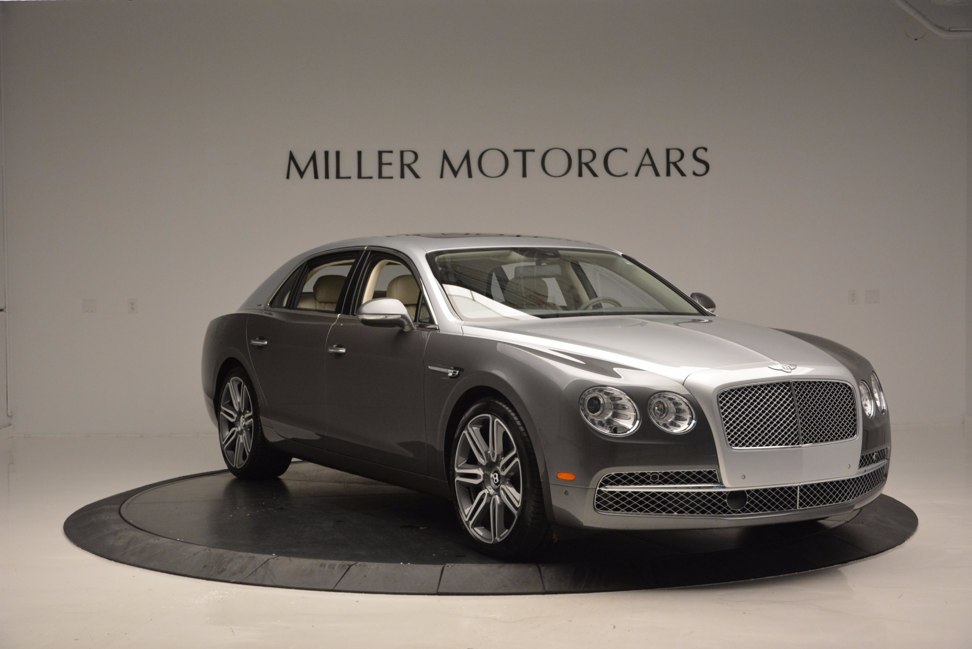 Used 2016 Bentley Flying Spur W12  For Sale In Greenwich, CT 617_p11