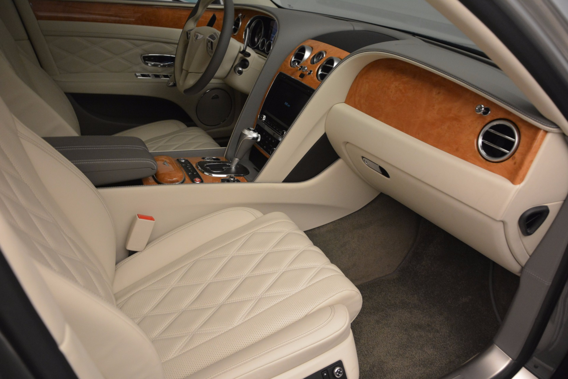 Used 2016 Bentley Flying Spur W12  For Sale In Greenwich, CT 617_p19
