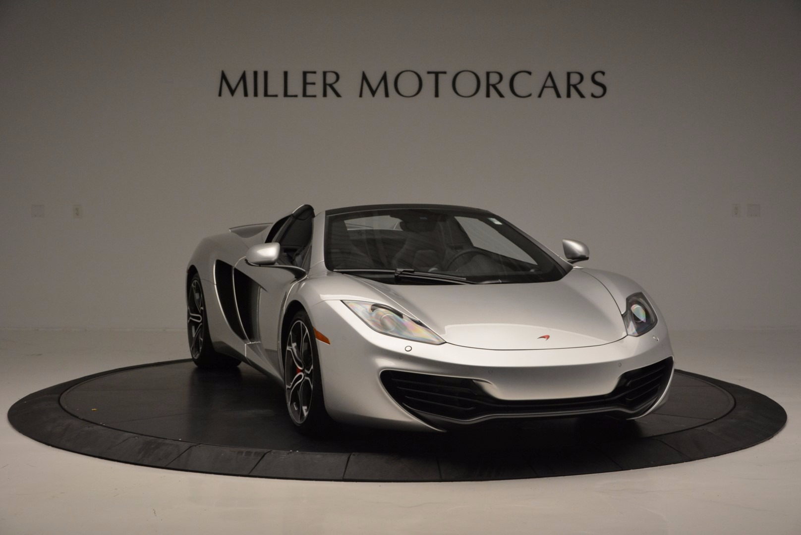 Used 2014 McLaren MP4-12C Spider  For Sale In Greenwich, CT 627_p11