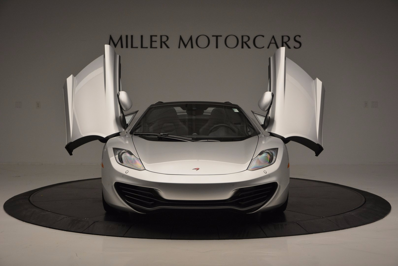 Used 2014 McLaren MP4-12C Spider  For Sale In Greenwich, CT 627_p13