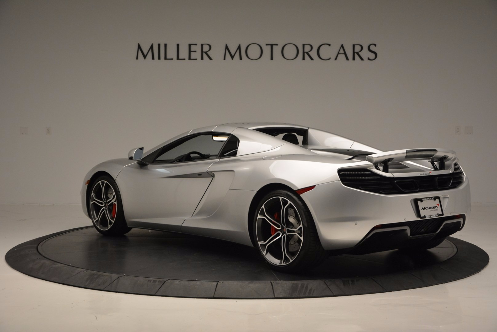 Used 2014 McLaren MP4-12C Spider  For Sale In Greenwich, CT 627_p17