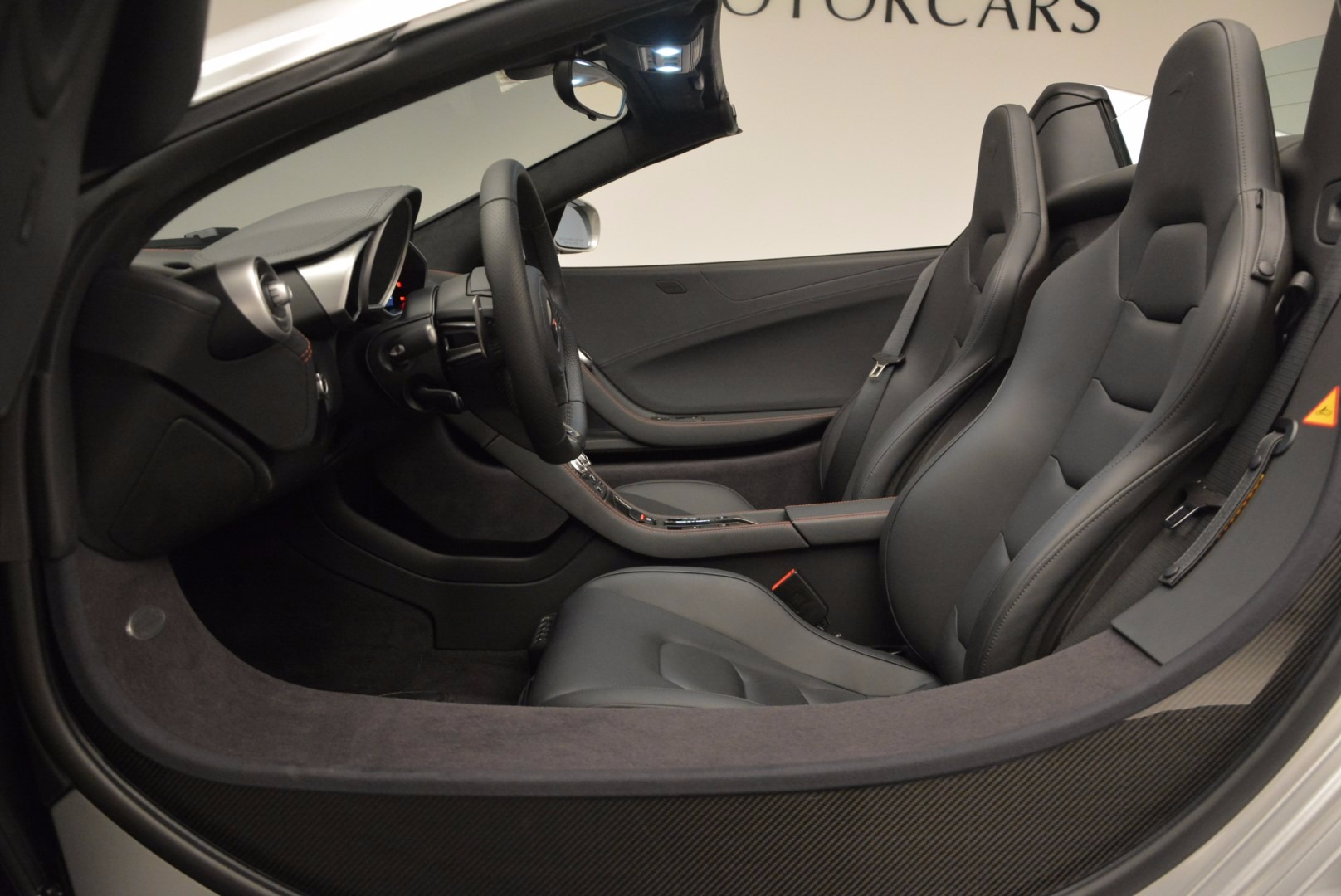 Used 2014 McLaren MP4-12C Spider  For Sale In Greenwich, CT 627_p23