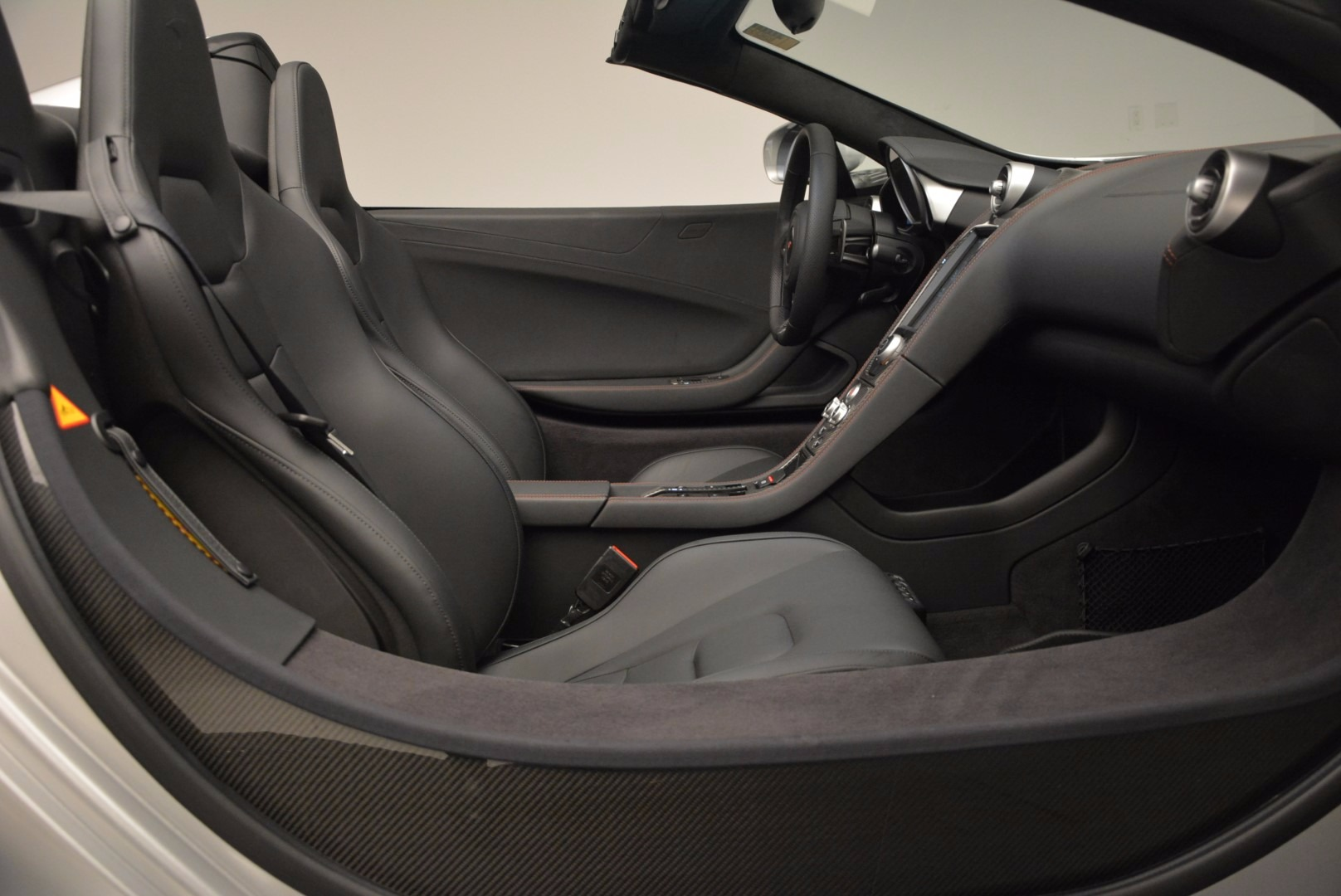Used 2014 McLaren MP4-12C Spider  For Sale In Greenwich, CT 627_p27