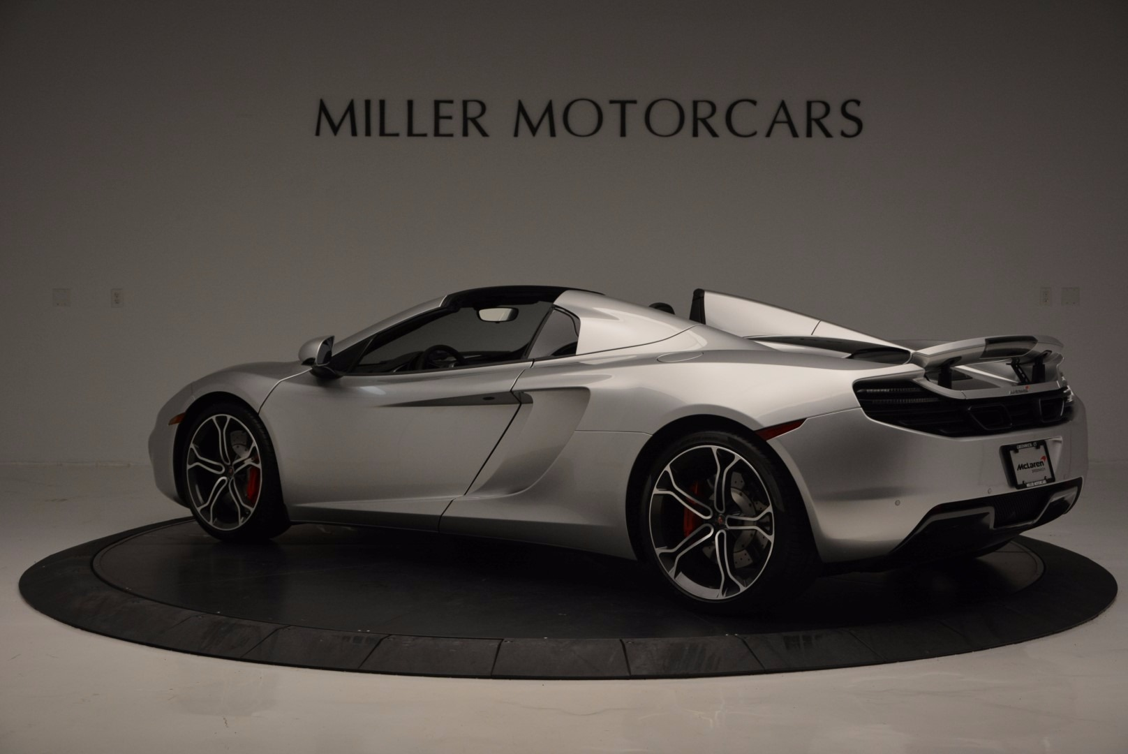 Used 2014 McLaren MP4-12C Spider  For Sale In Greenwich, CT 627_p4