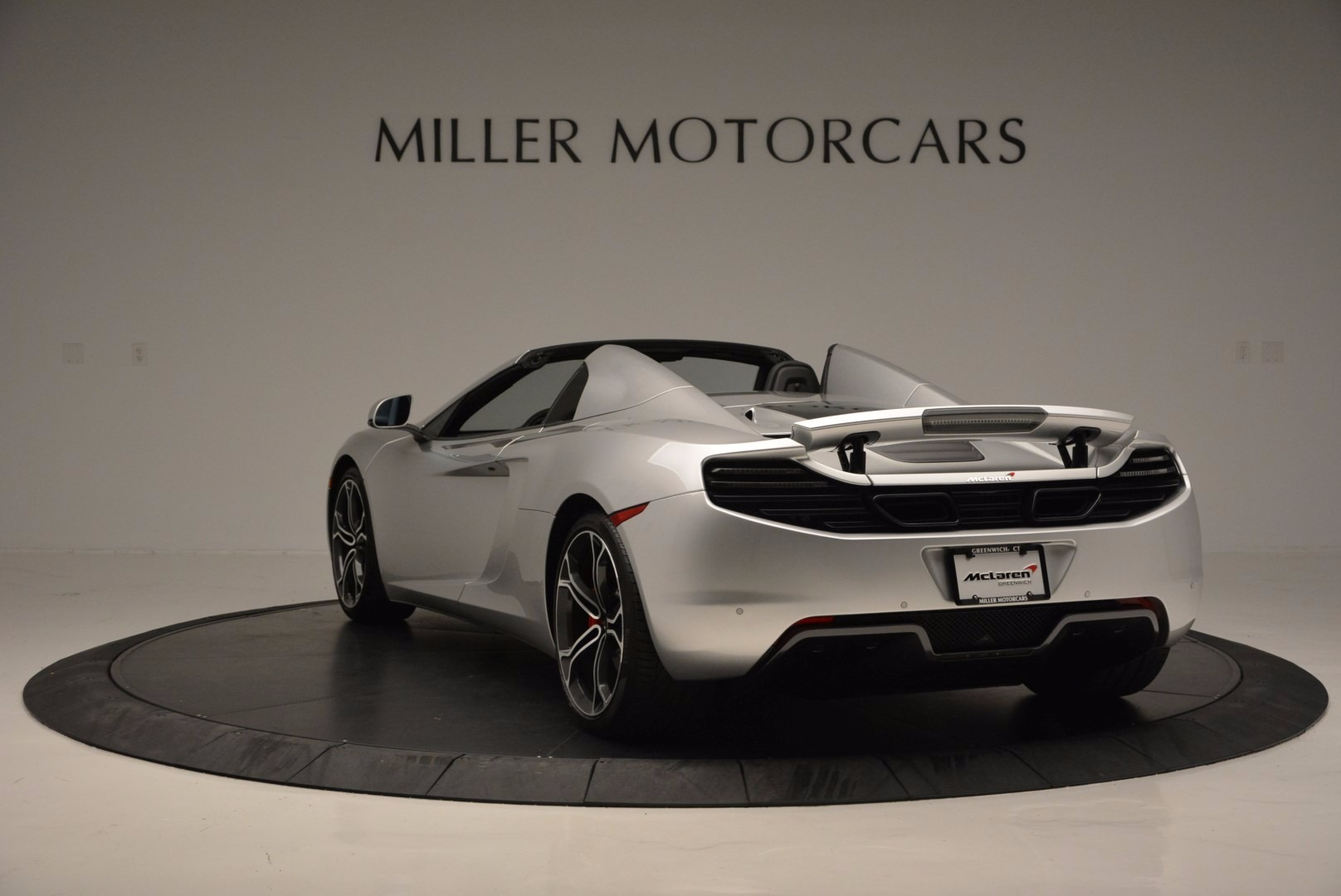 Used 2014 McLaren MP4-12C Spider  For Sale In Greenwich, CT 627_p5