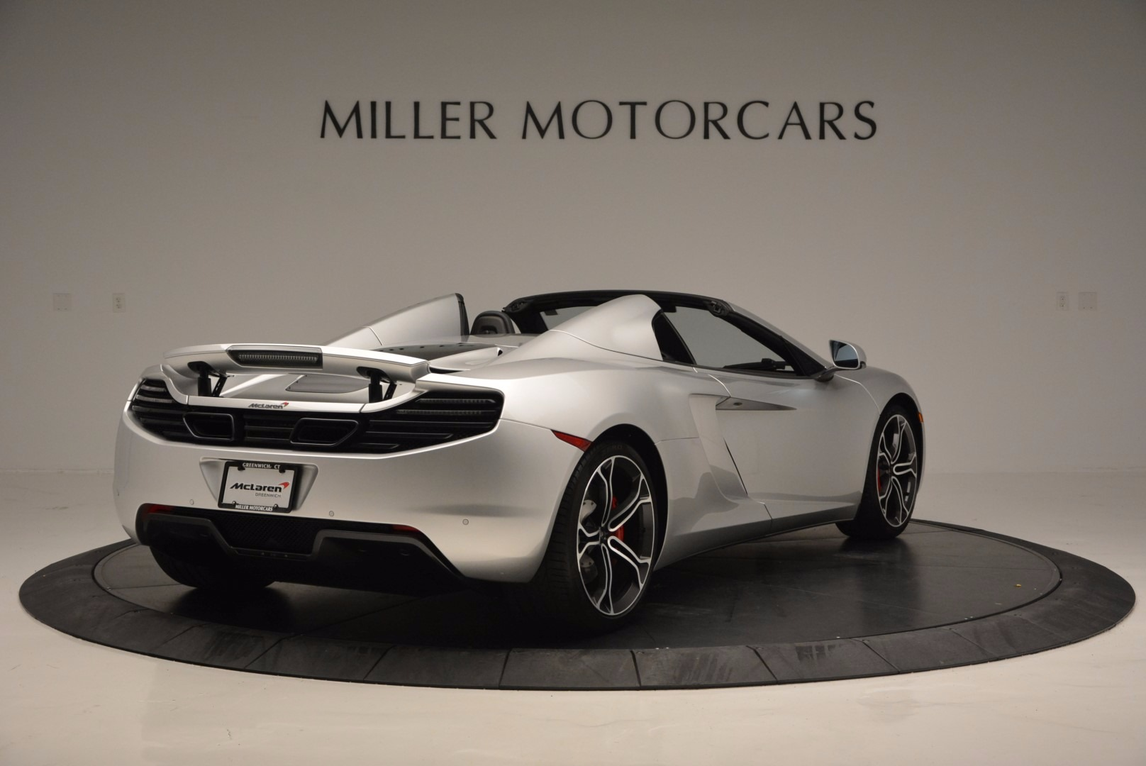Used 2014 McLaren MP4-12C Spider  For Sale In Greenwich, CT 627_p7