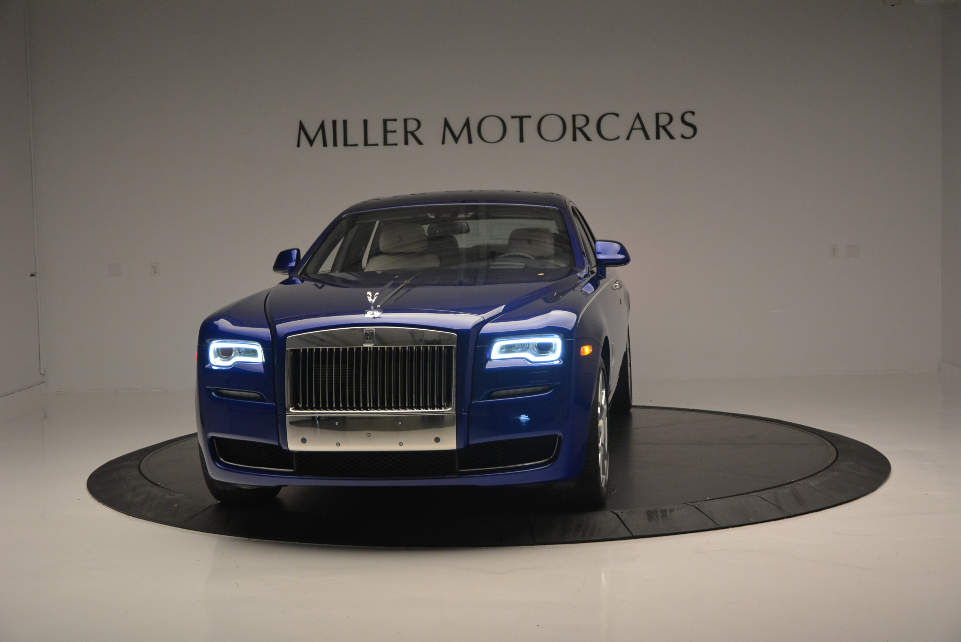 Used 2016 ROLLS-ROYCE GHOST SERIES II  For Sale In Greenwich, CT 634_main