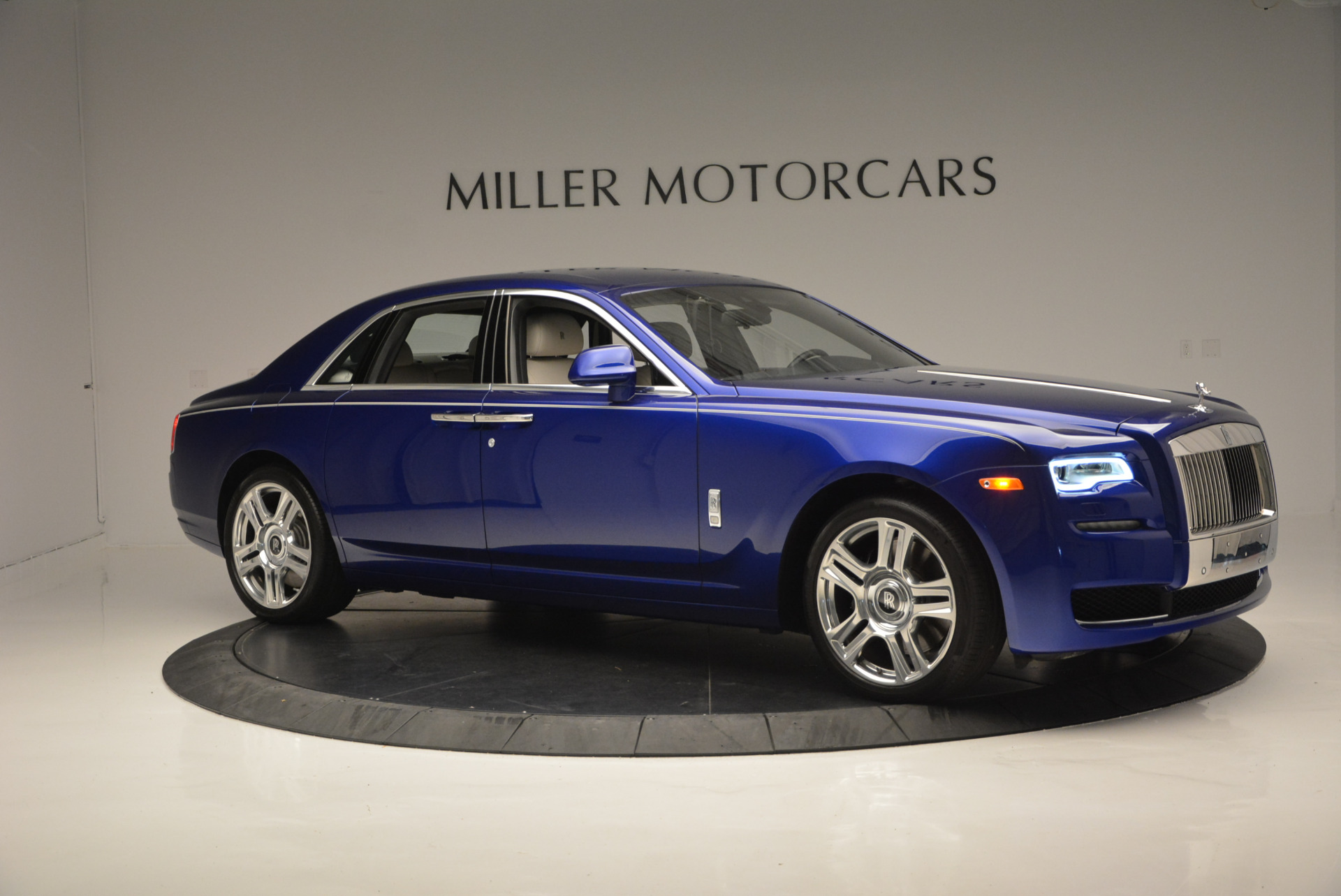 Used 2016 ROLLS-ROYCE GHOST SERIES II  For Sale In Greenwich, CT 634_p12