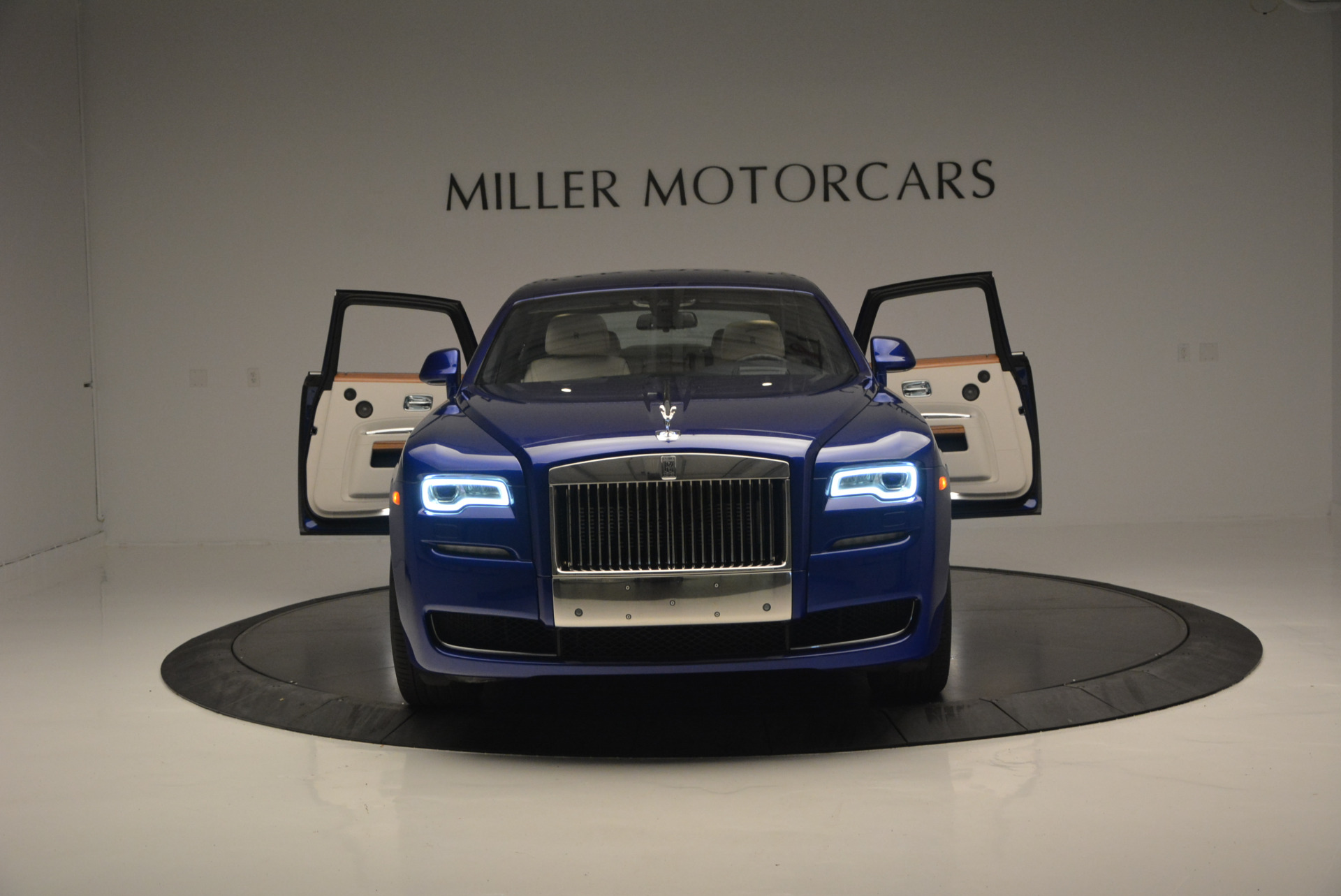 Used 2016 ROLLS-ROYCE GHOST SERIES II  For Sale In Greenwich, CT 634_p15