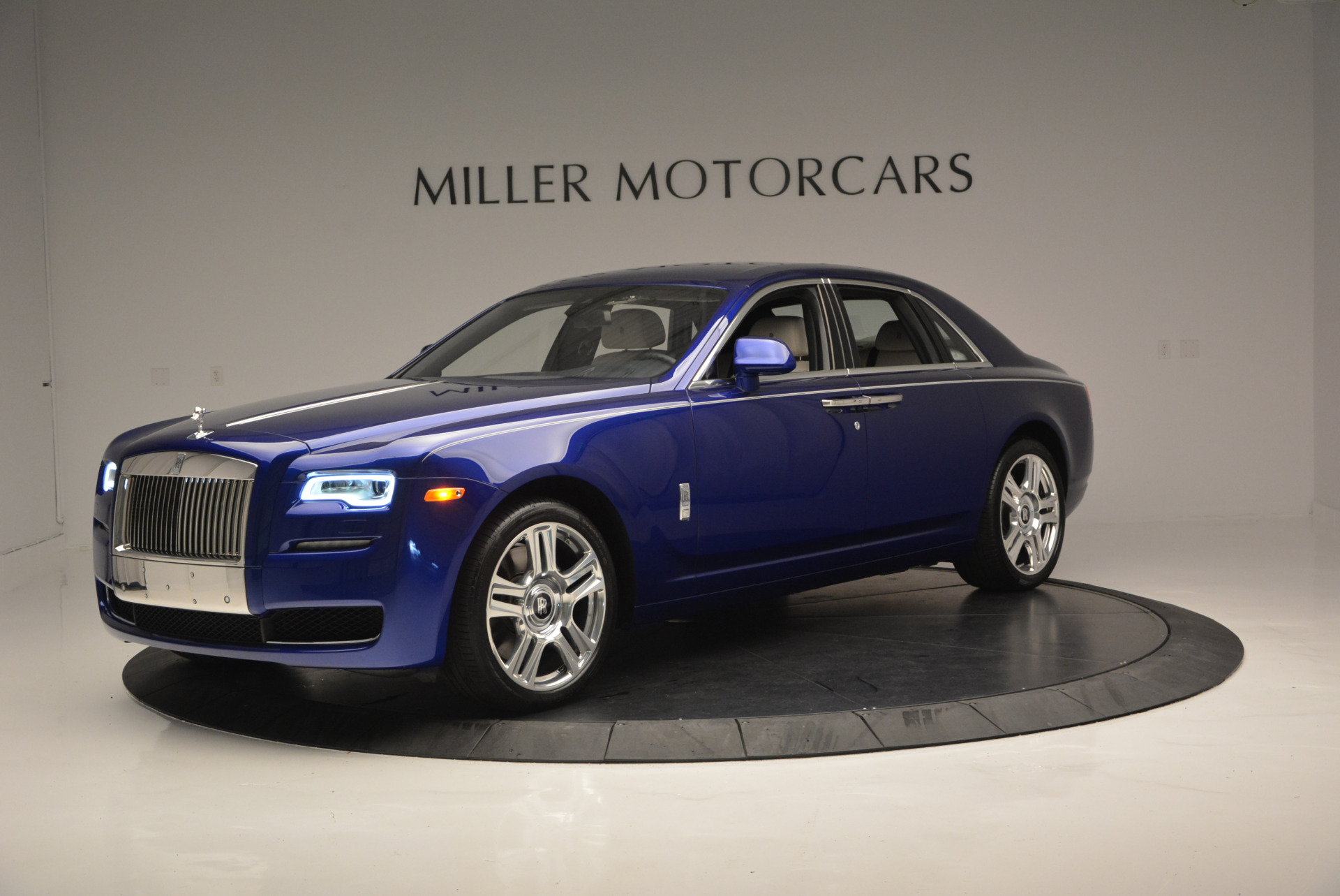 Used 2016 ROLLS-ROYCE GHOST SERIES II  For Sale In Greenwich, CT 634_p3
