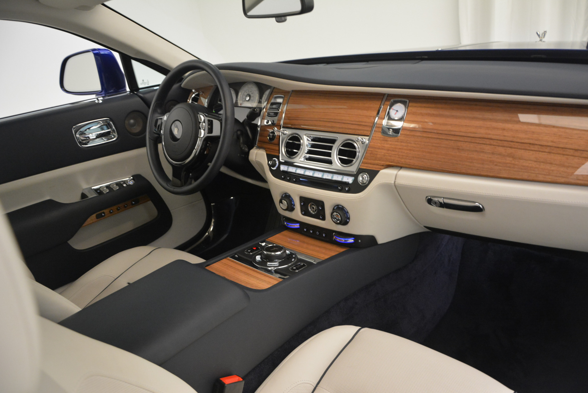 Used 2016 Rolls-Royce Wraith  For Sale In Greenwich, CT 635_p30