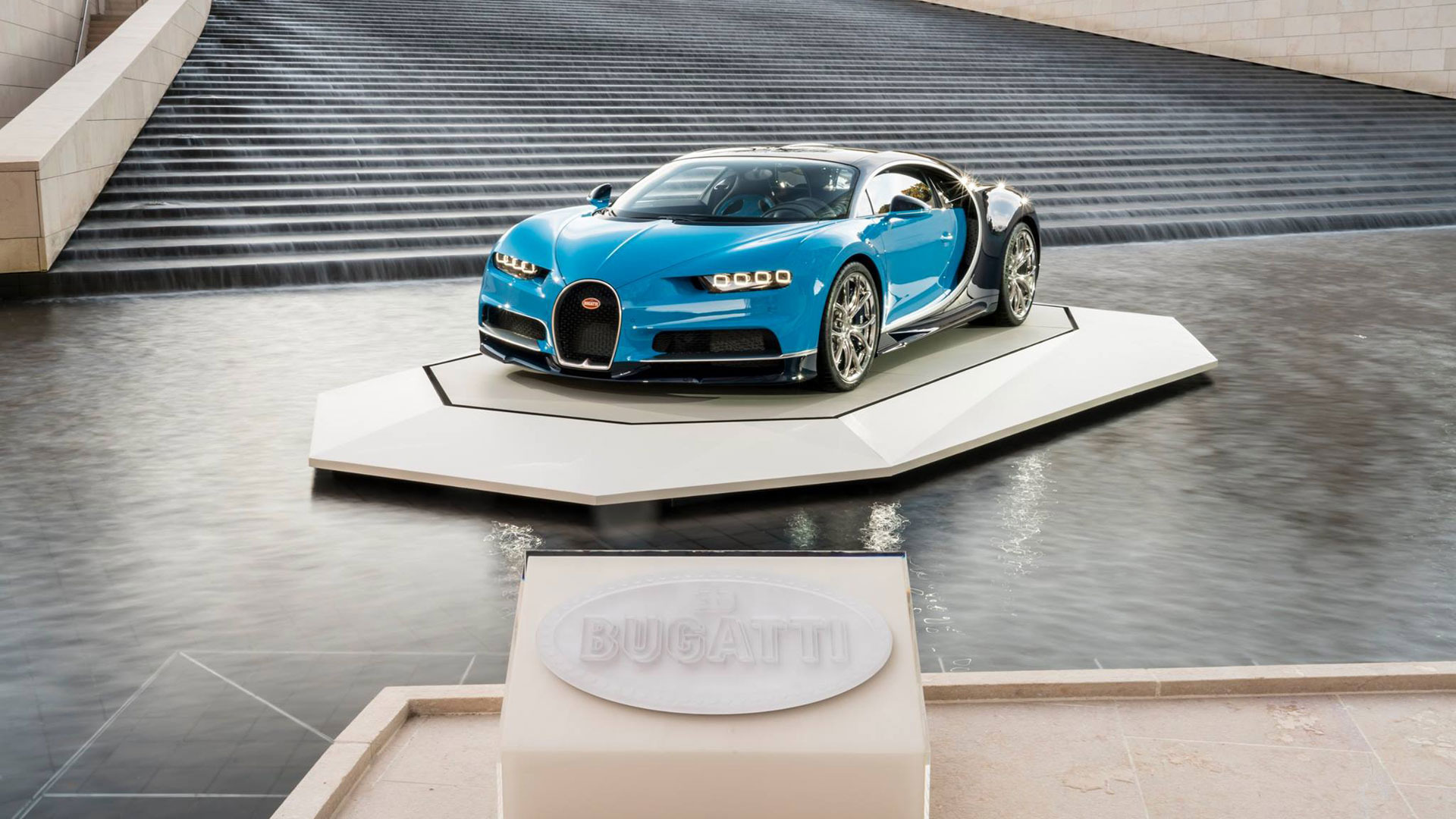 New 2020 Bugatti Chiron  For Sale In Greenwich, CT 639_p4