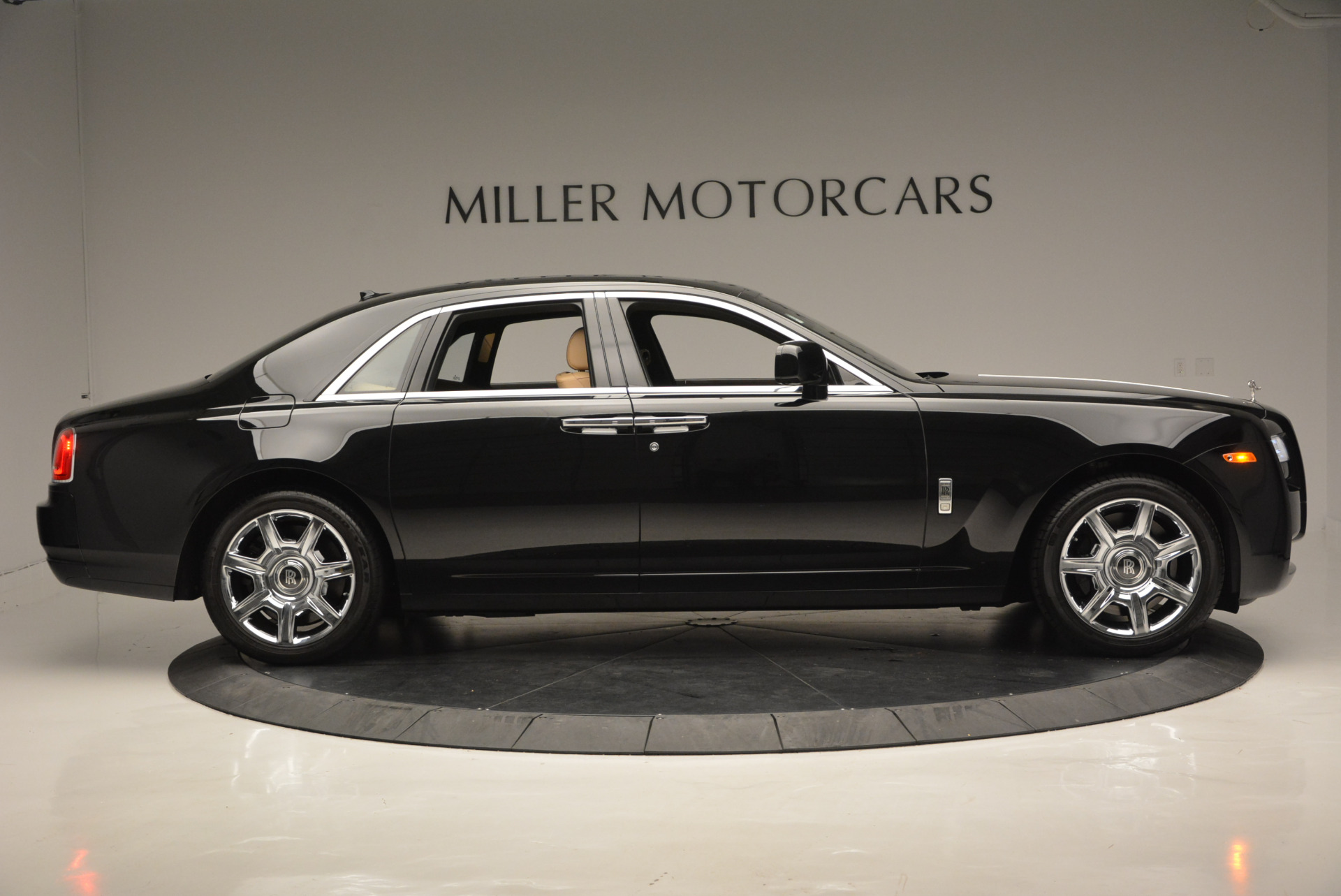 Used 2011 Rolls-Royce Ghost  For Sale In Greenwich, CT 648_p10