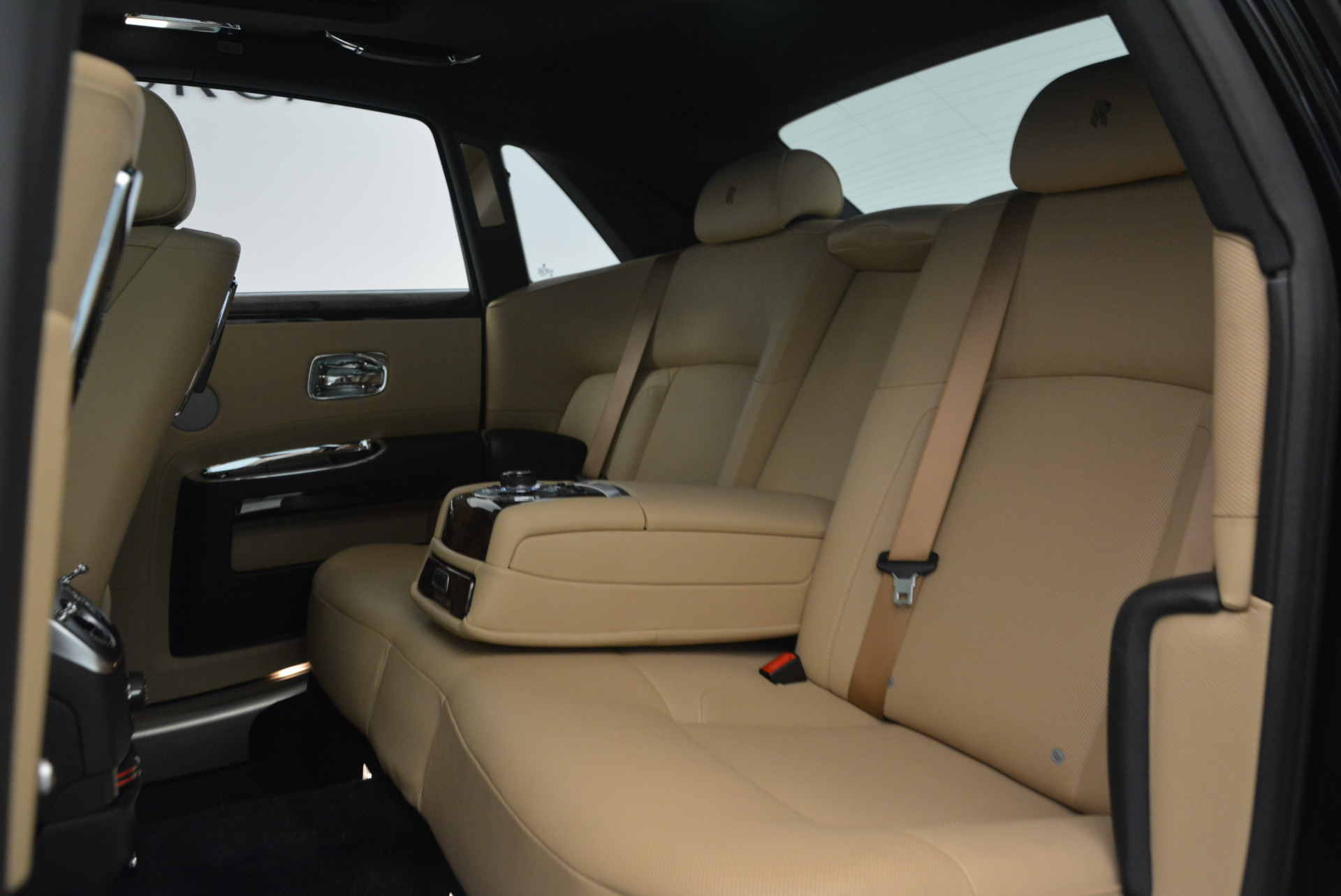 Used 2011 Rolls-Royce Ghost  For Sale In Greenwich, CT 648_p23