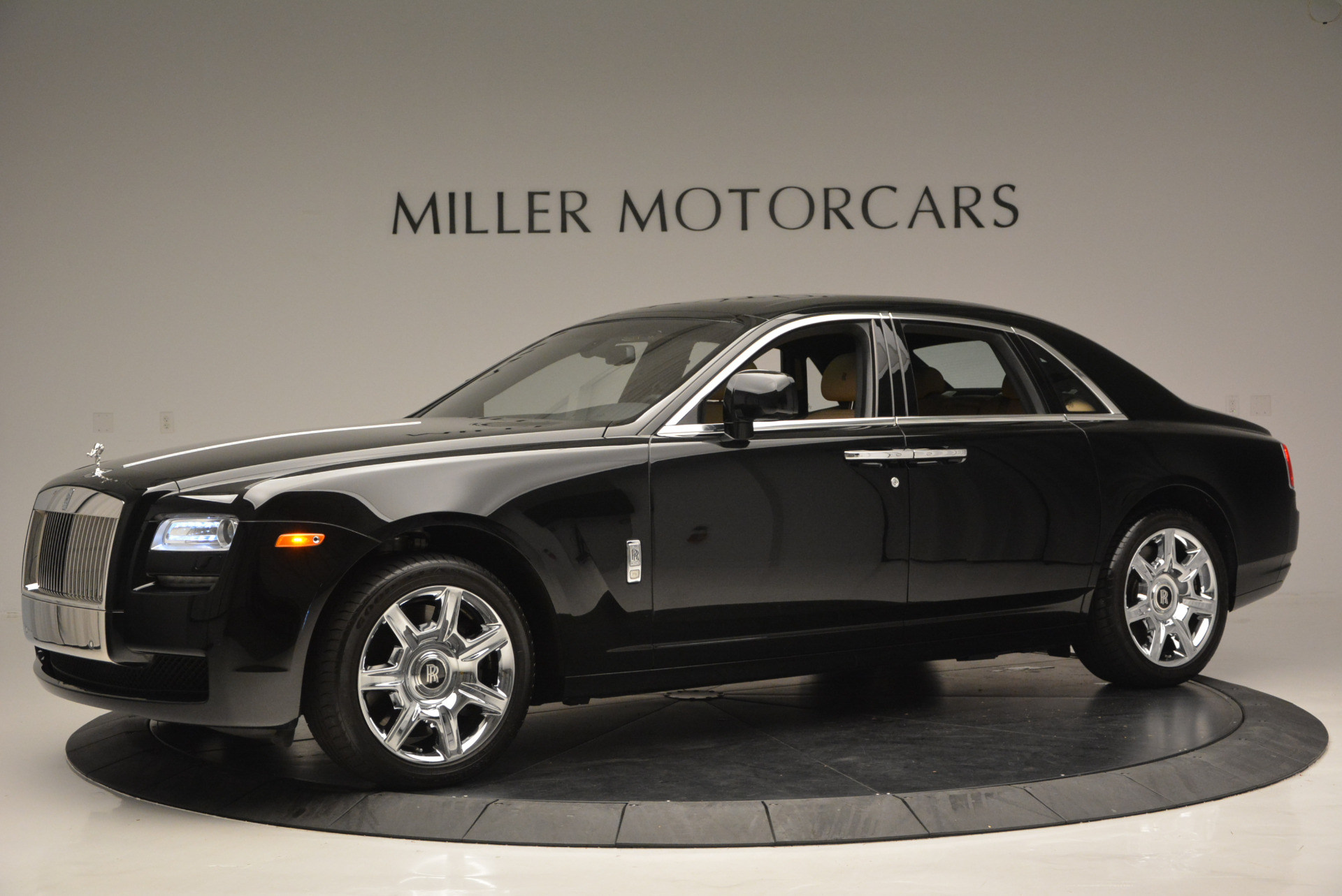 Used 2011 Rolls-Royce Ghost  For Sale In Greenwich, CT 648_p3