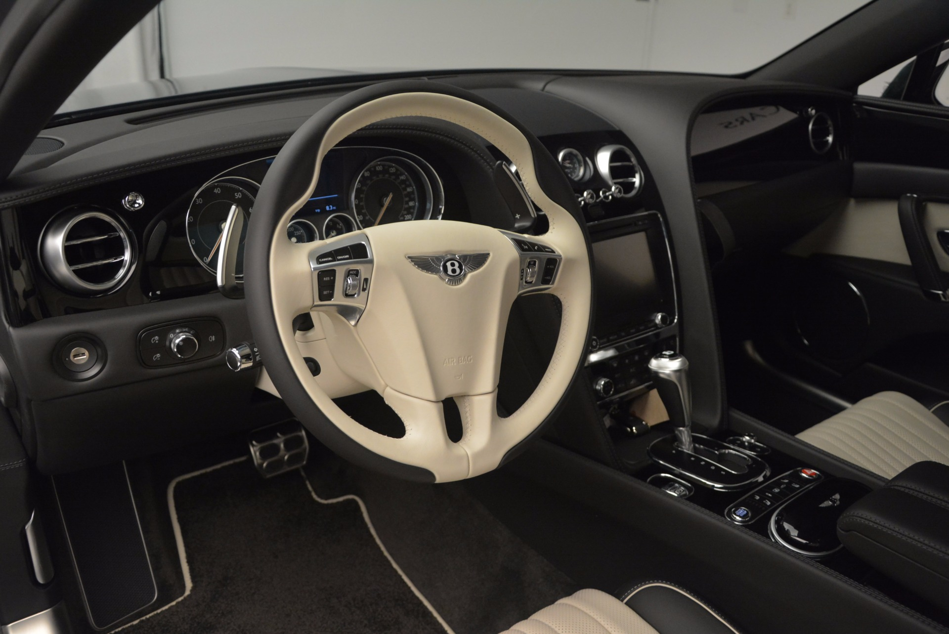 New 2017 Bentley Flying Spur V8 S  For Sale In Greenwich, CT 651_p15