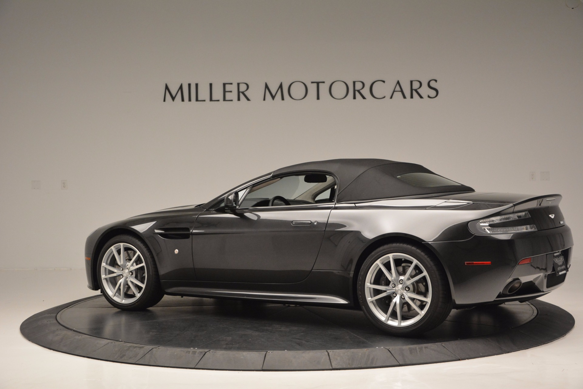 Used 2016 Aston Martin V8 Vantage S Roadster For Sale In Greenwich, CT 652_p16
