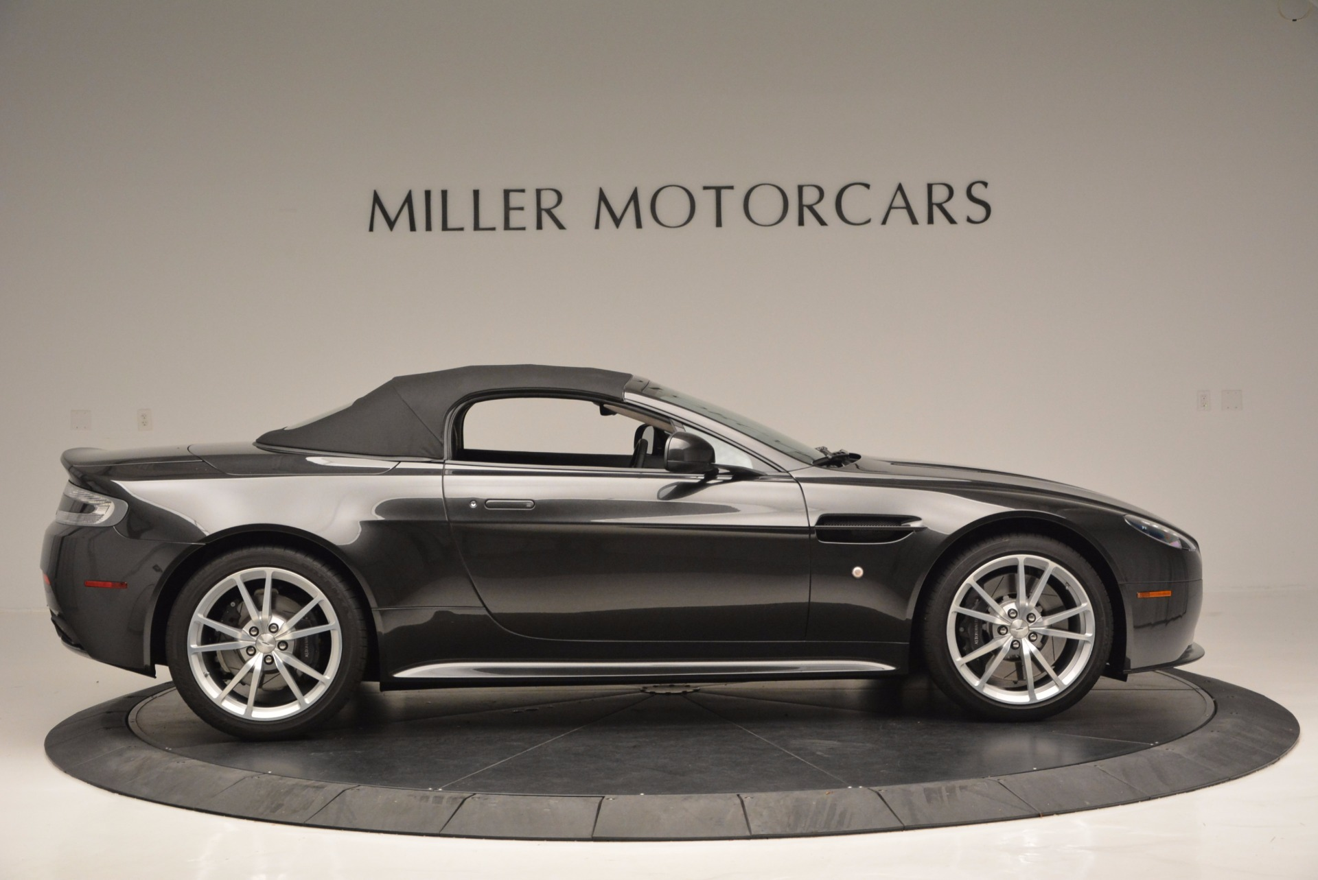 Used 2016 Aston Martin V8 Vantage S Roadster For Sale In Greenwich, CT 652_p21