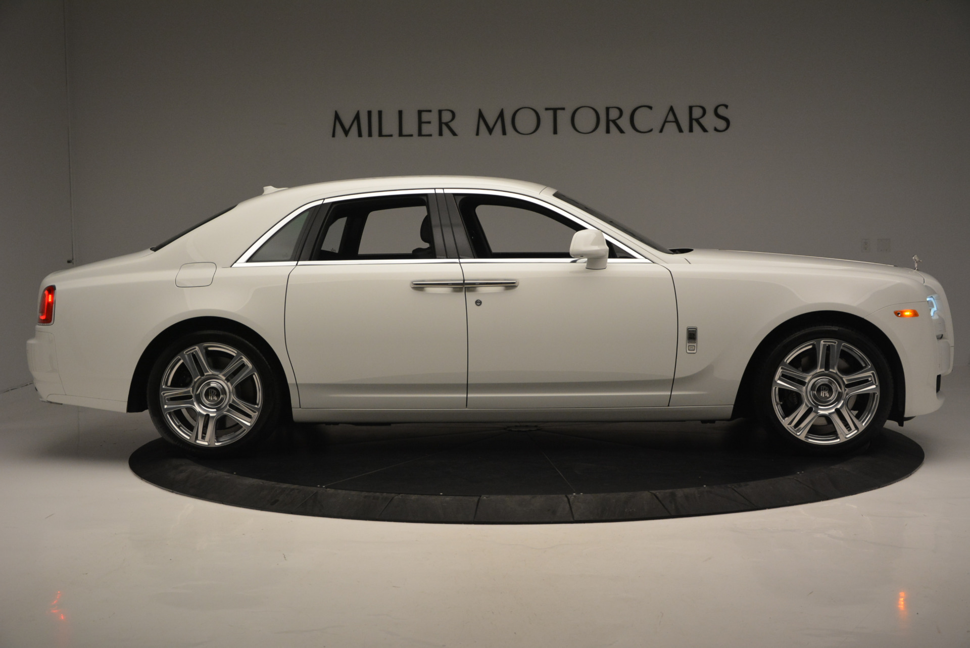 Used 2016 Rolls-Royce Ghost Series II  For Sale In Greenwich, CT 653_p10