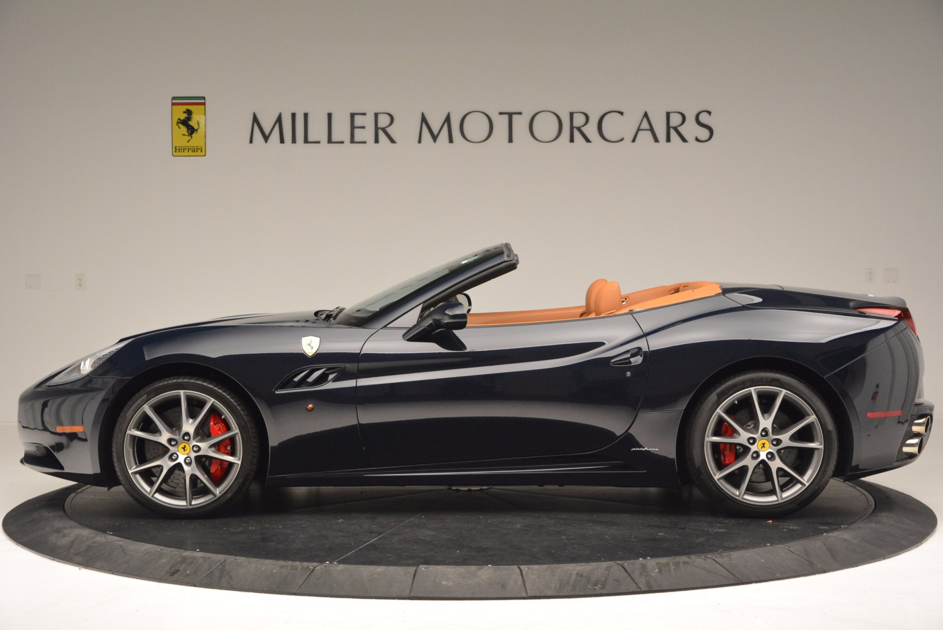 Used 2010 Ferrari California  For Sale In Greenwich, CT 659_p3
