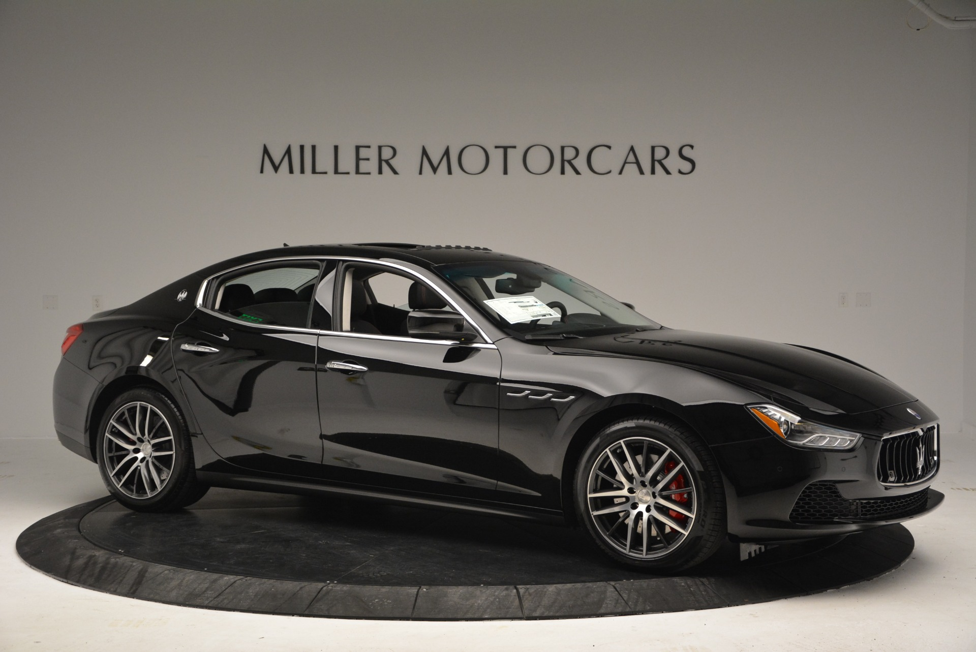 Used 2016 Maserati Ghibli S Q4  EX-LOANER For Sale In Greenwich, CT 667_p10