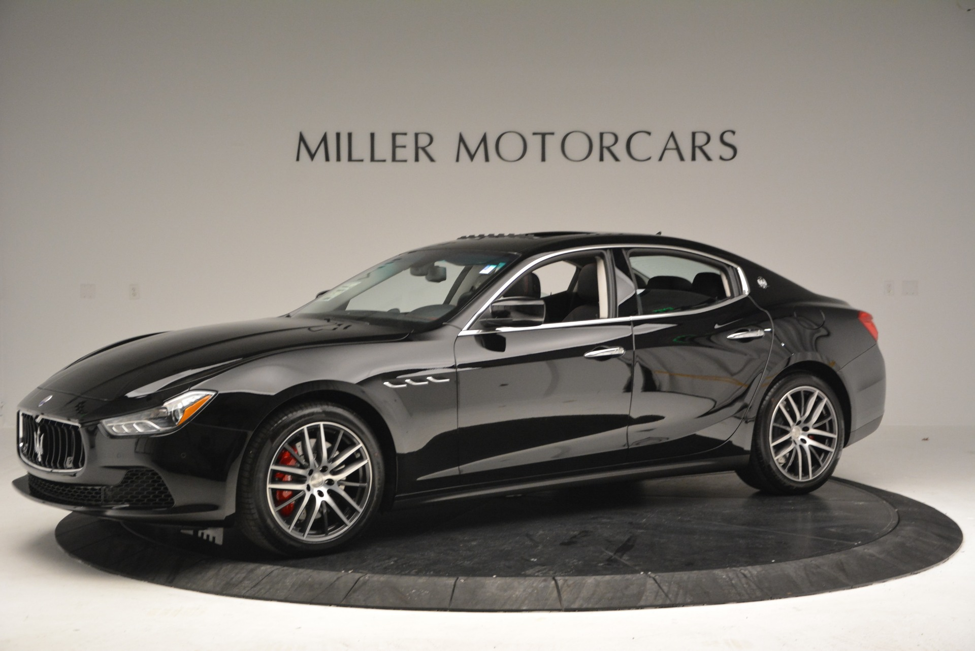 Used 2016 Maserati Ghibli S Q4  EX-LOANER For Sale In Greenwich, CT 667_p2