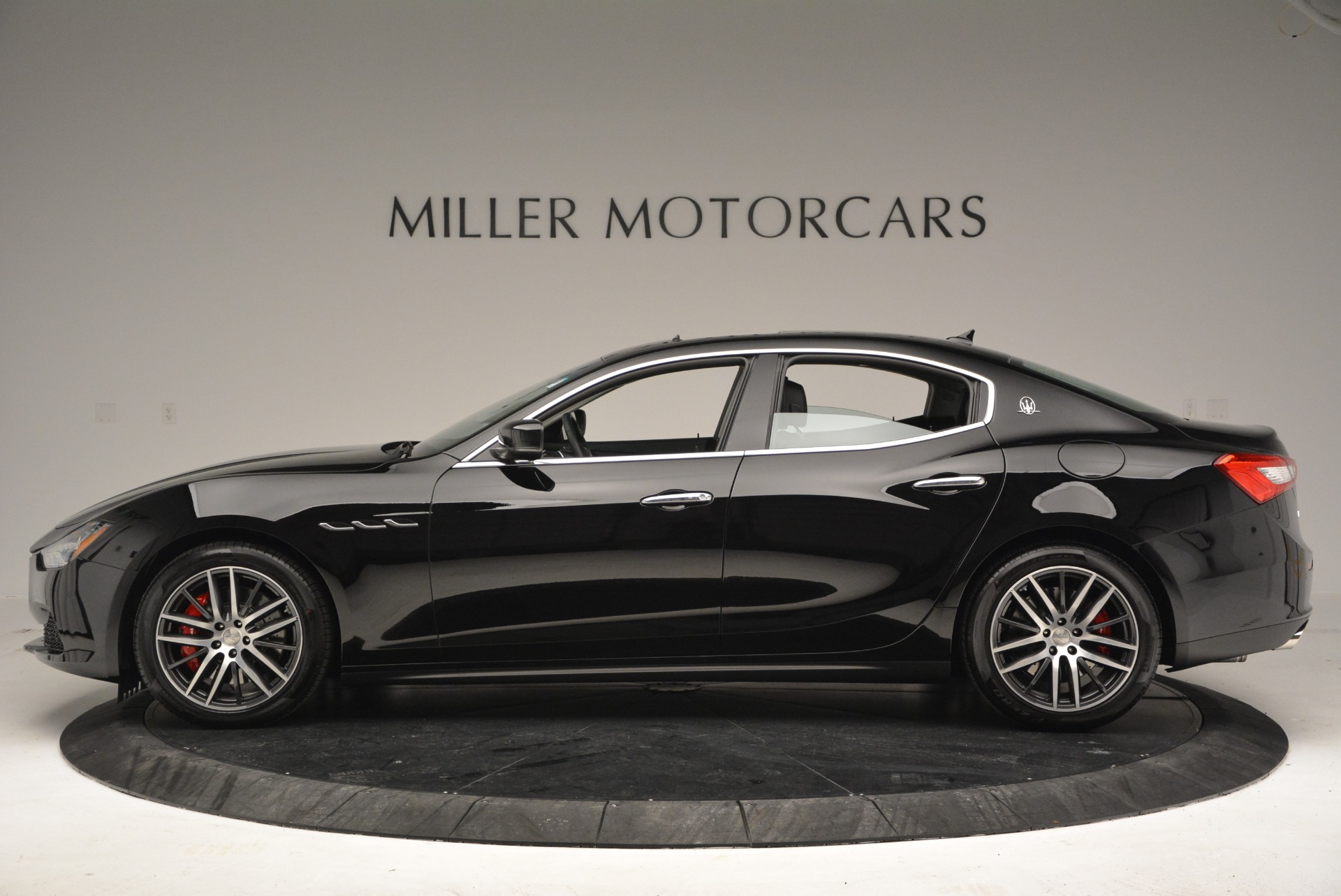 Used 2016 Maserati Ghibli S Q4  EX-LOANER For Sale In Greenwich, CT 667_p3