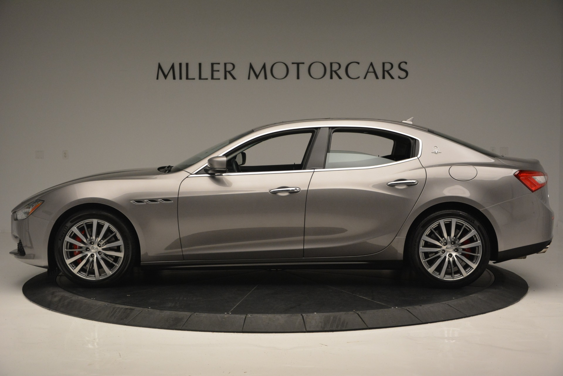 Used 2016 Maserati Ghibli S Q4  EX- LOANER For Sale In Greenwich, CT 668_p3