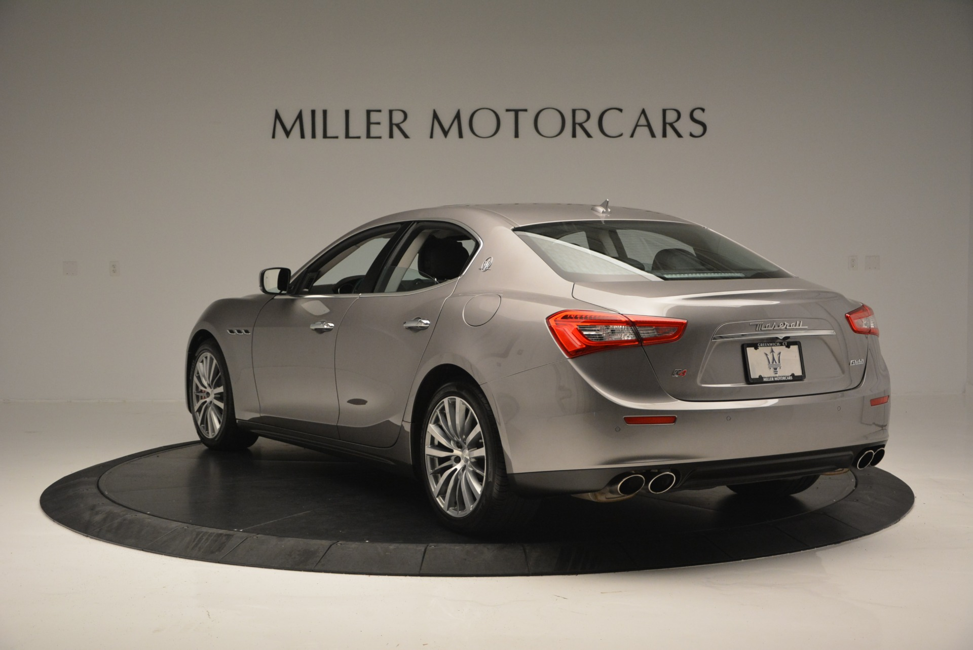 Used 2016 Maserati Ghibli S Q4  EX- LOANER For Sale In Greenwich, CT 668_p5
