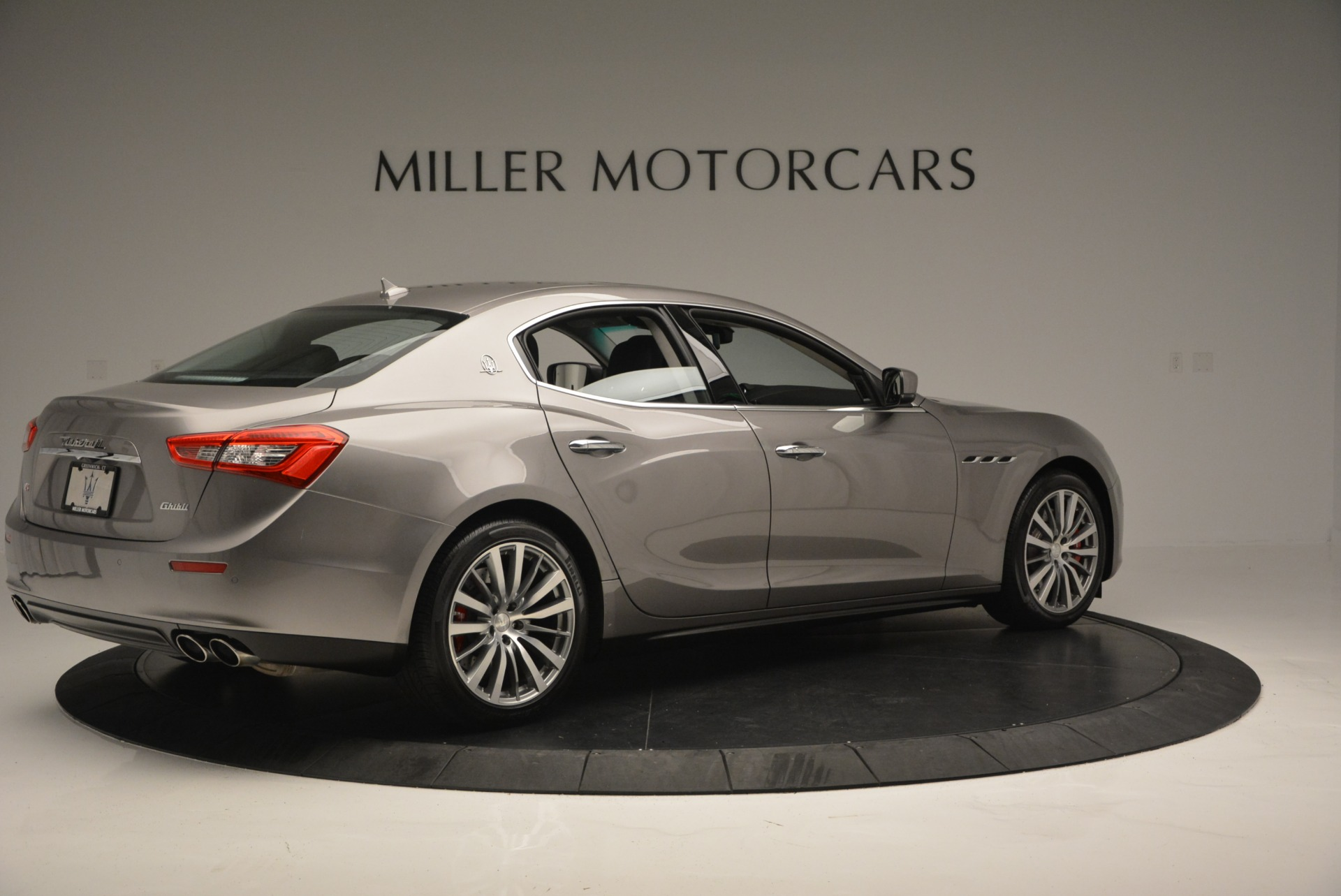 Used 2016 Maserati Ghibli S Q4  EX- LOANER For Sale In Greenwich, CT 668_p8