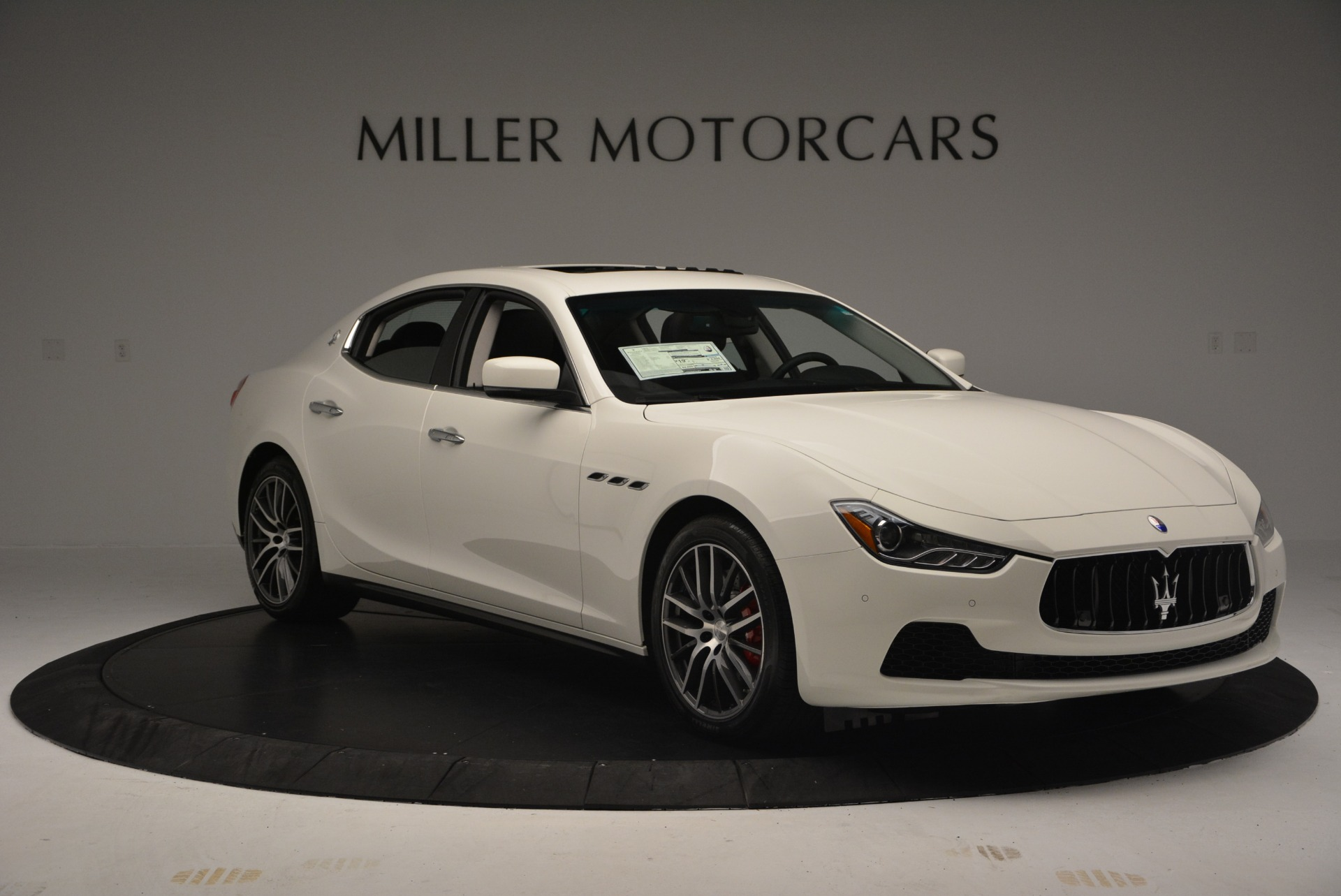 Used 2016 Maserati Ghibli S Q4  EX-LOANER For Sale In Greenwich, CT 669_p11