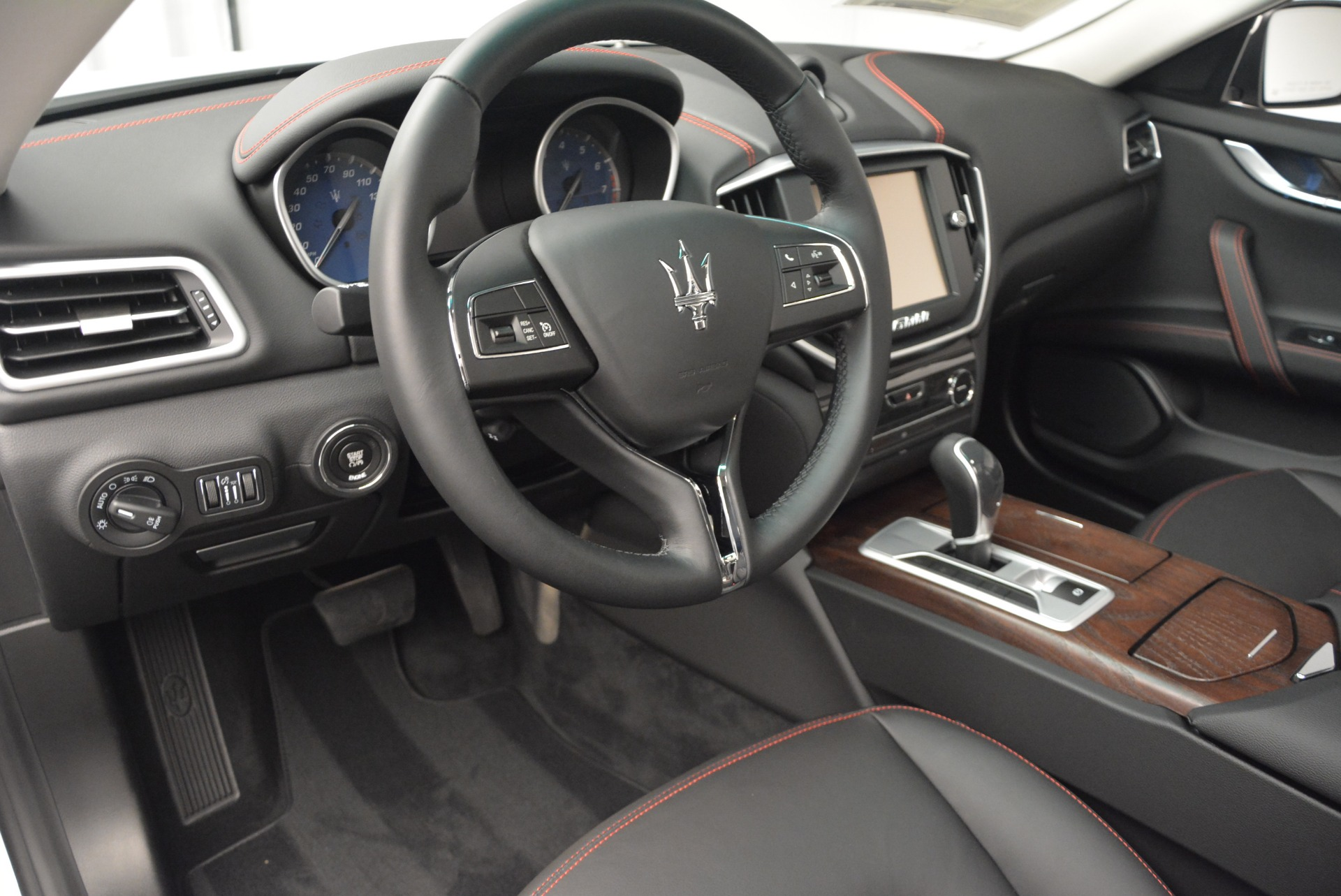 Used 2016 Maserati Ghibli S Q4  EX-LOANER For Sale In Greenwich, CT 669_p13