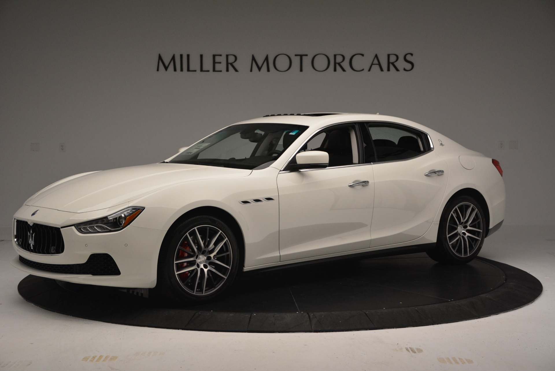 Used 2016 Maserati Ghibli S Q4  EX-LOANER For Sale In Greenwich, CT 669_p2