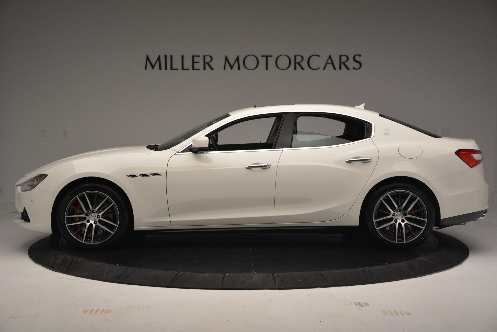Used 2016 Maserati Ghibli S Q4  EX-LOANER For Sale In Greenwich, CT 669_p3