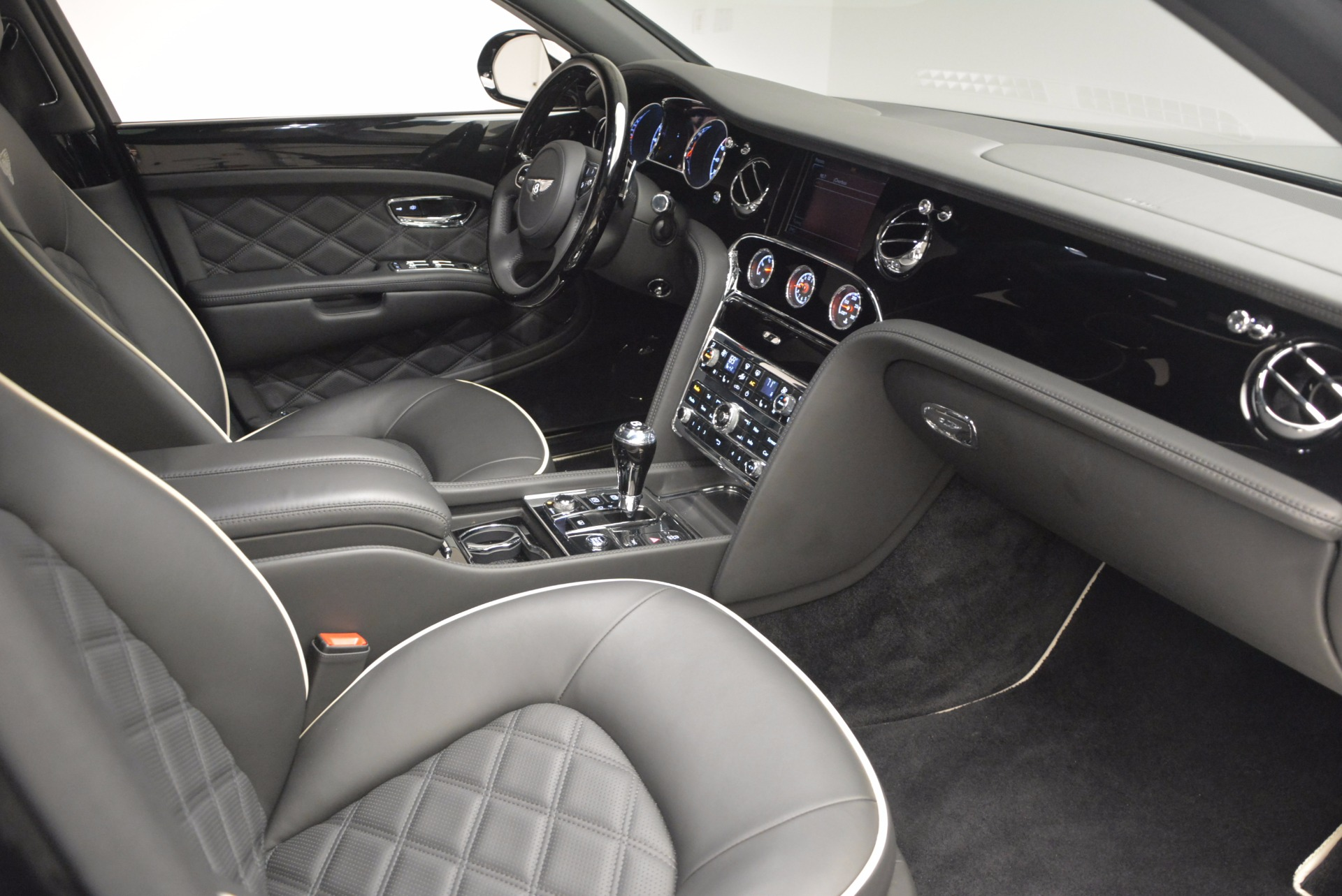 Used 2016 Bentley Mulsanne  For Sale In Greenwich, CT 672_p45