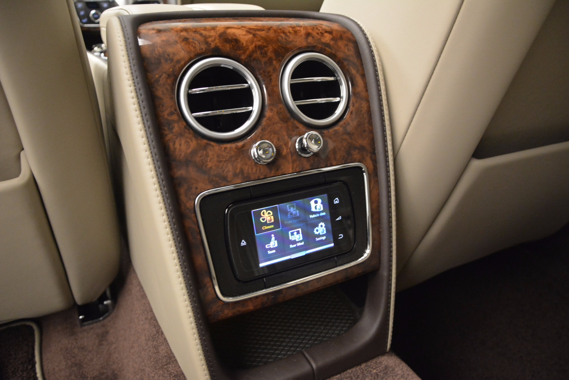 Used 2015 Bentley Flying Spur W12  For Sale In Greenwich, CT 694_p32