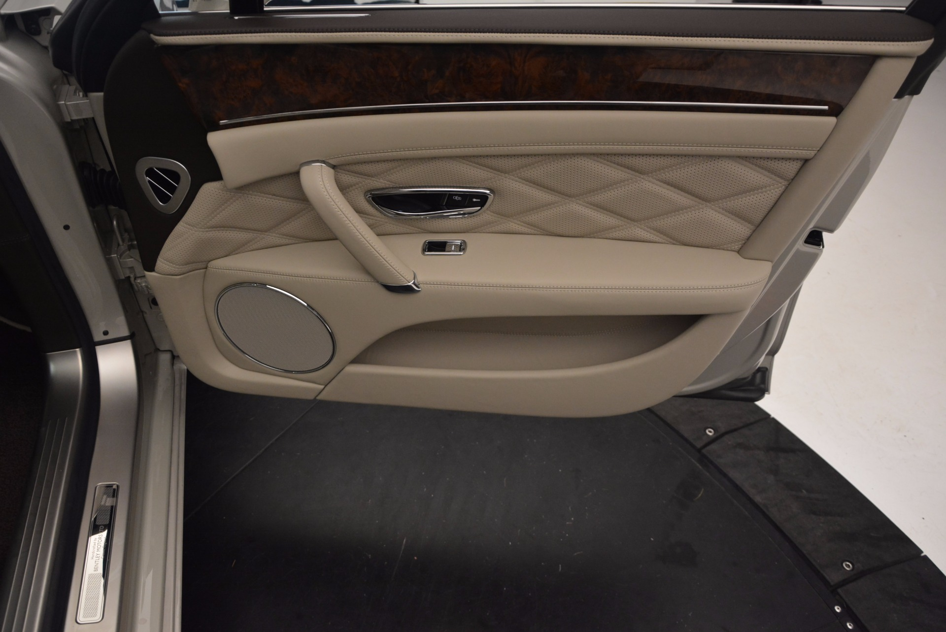 Used 2015 Bentley Flying Spur W12  For Sale In Greenwich, CT 694_p41