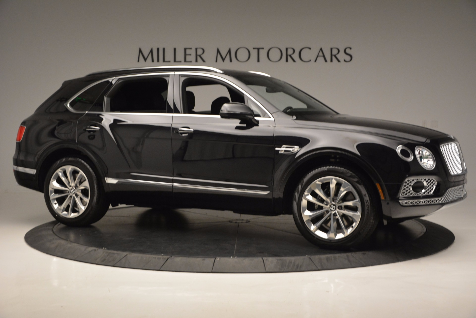 Used 2017 Bentley Bentayga W12 For Sale In Greenwich, CT 696_p10