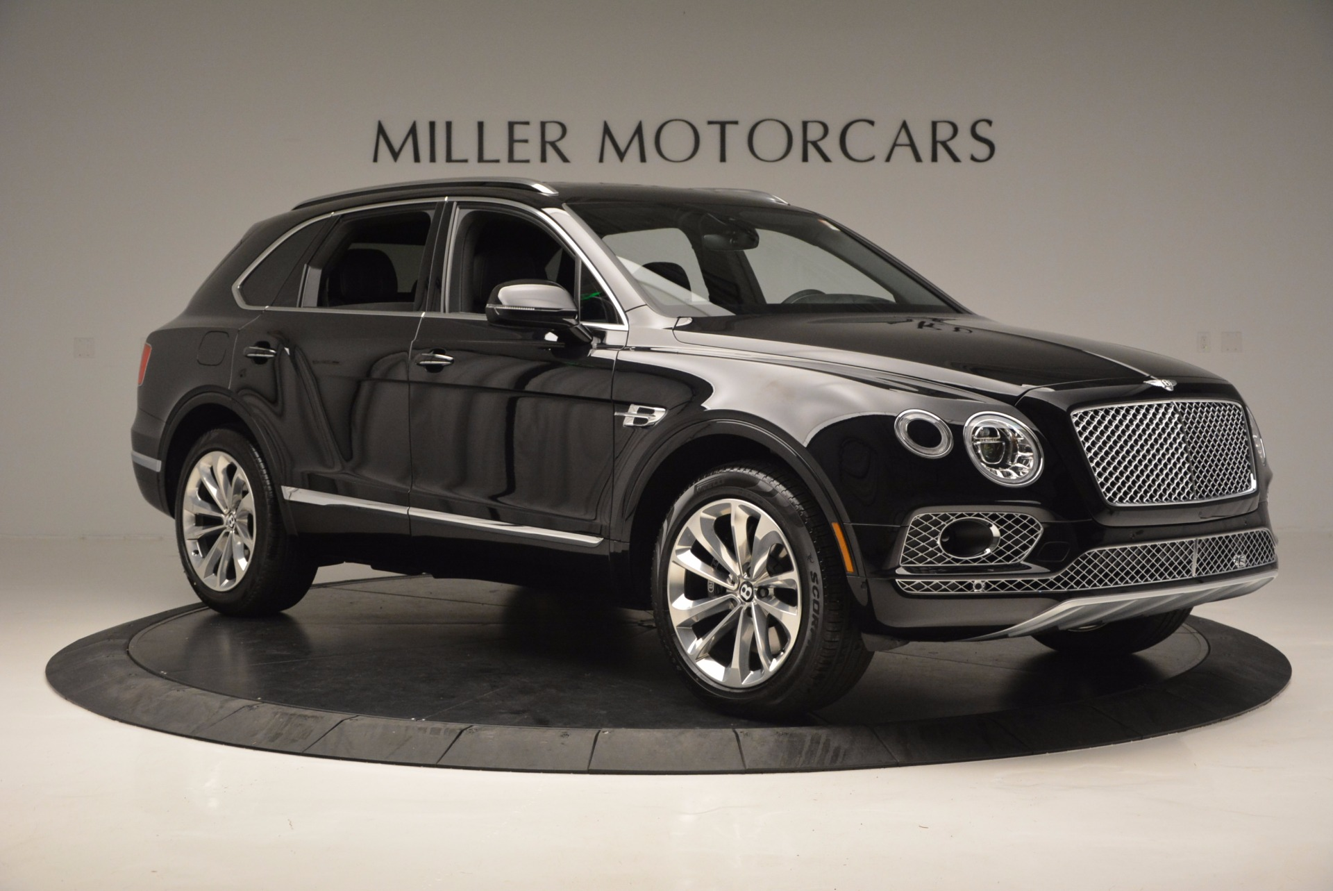 Used 2017 Bentley Bentayga W12 For Sale In Greenwich, CT 696_p11