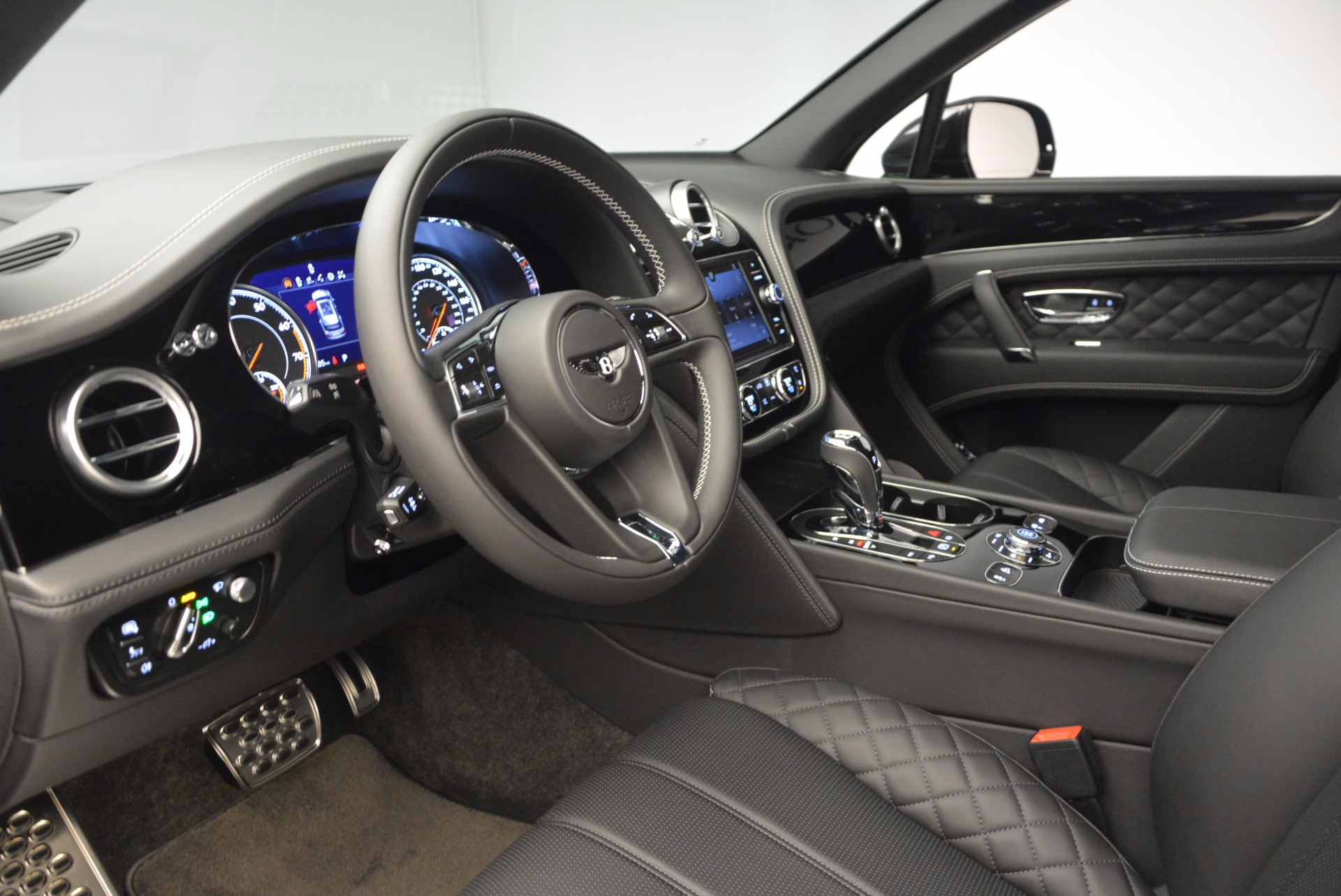 Used 2017 Bentley Bentayga W12 For Sale In Greenwich, CT 696_p19