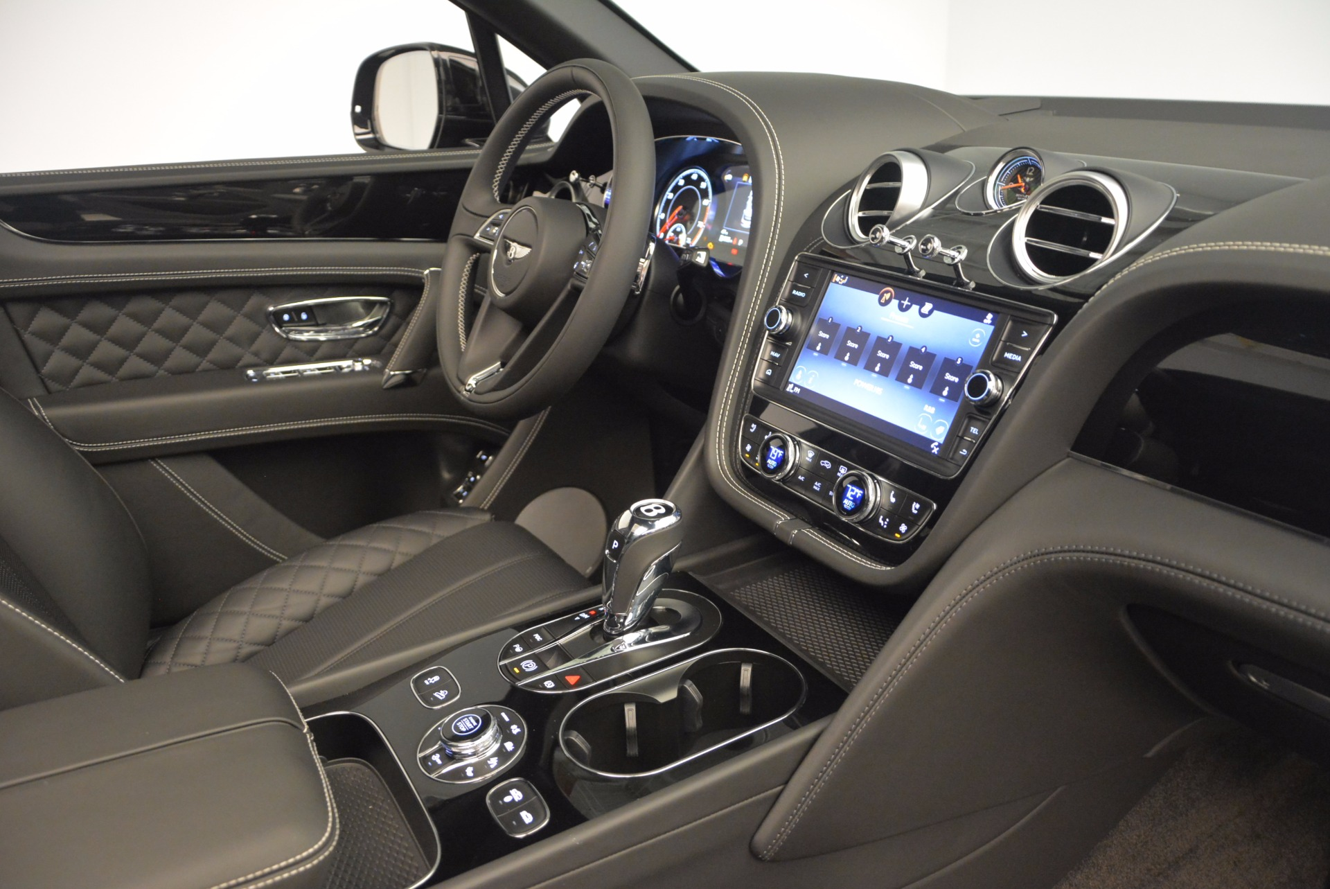 Used 2017 Bentley Bentayga W12 For Sale In Greenwich, CT 696_p29