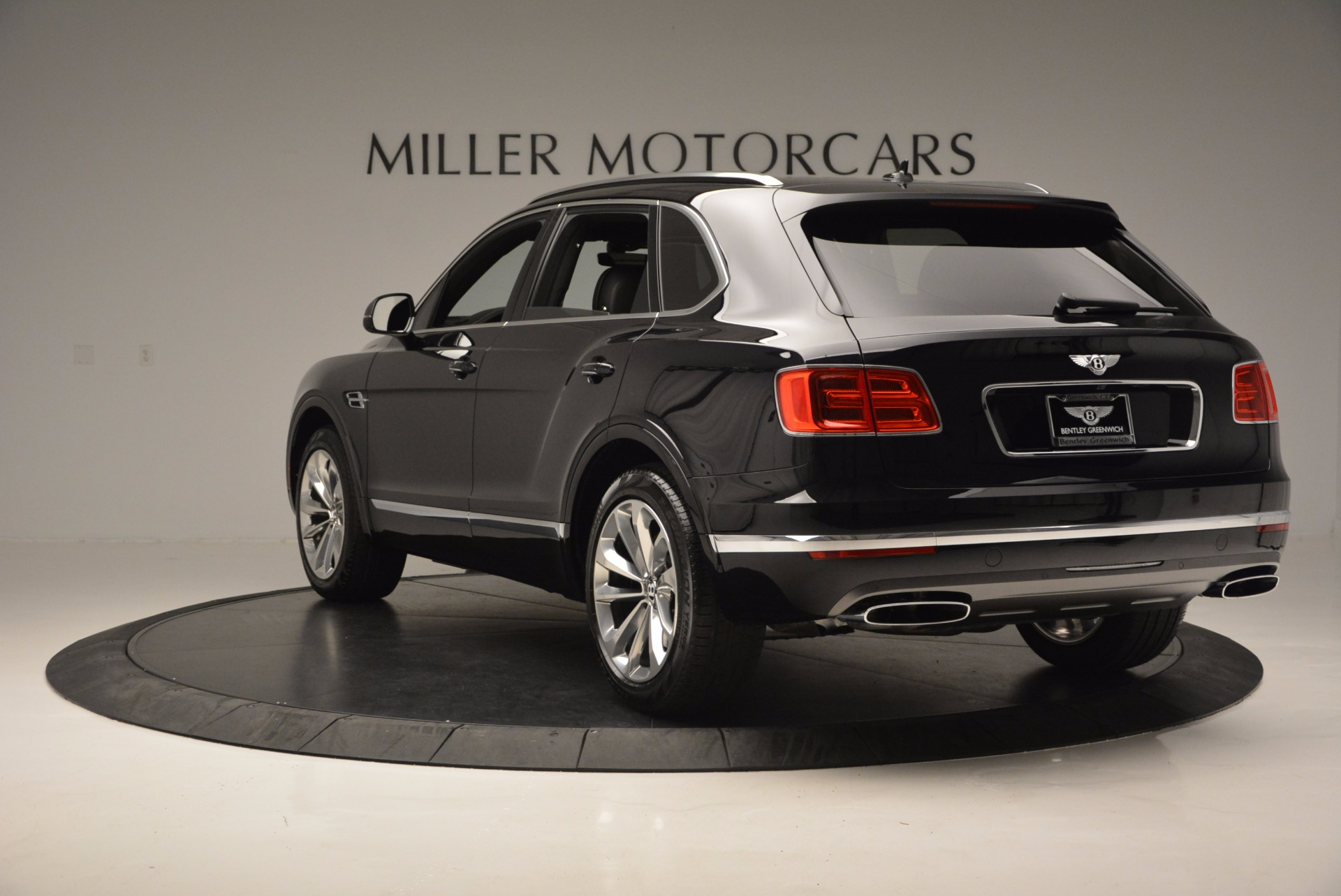 Used 2017 Bentley Bentayga W12 For Sale In Greenwich, CT 696_p5