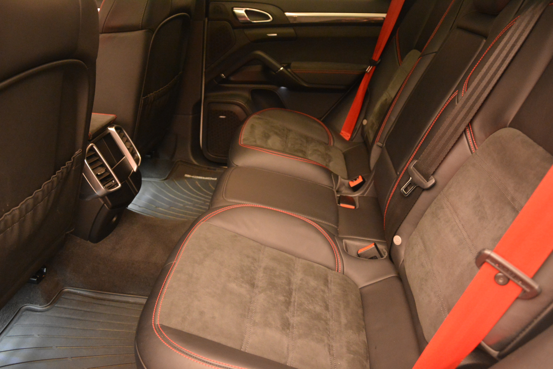 Used 2014 Porsche Cayenne GTS For Sale In Greenwich, CT 697_p23
