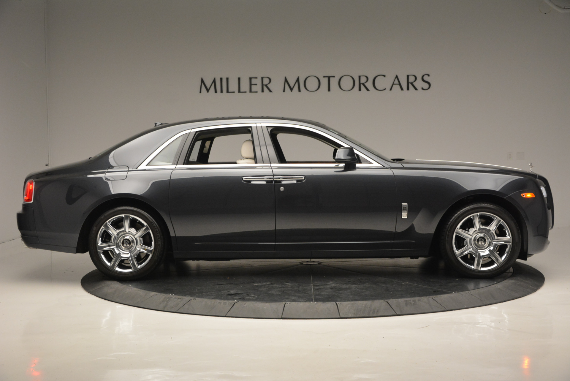 Used 2013 Rolls-Royce Ghost  For Sale In Greenwich, CT 702_p10