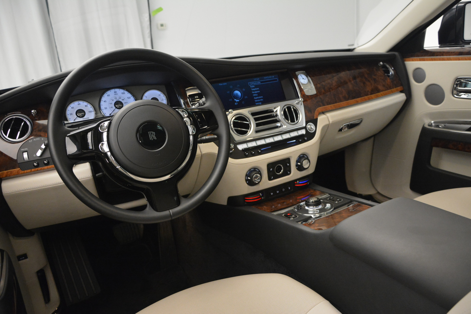 Used 2013 Rolls-Royce Ghost  For Sale In Greenwich, CT 702_p18