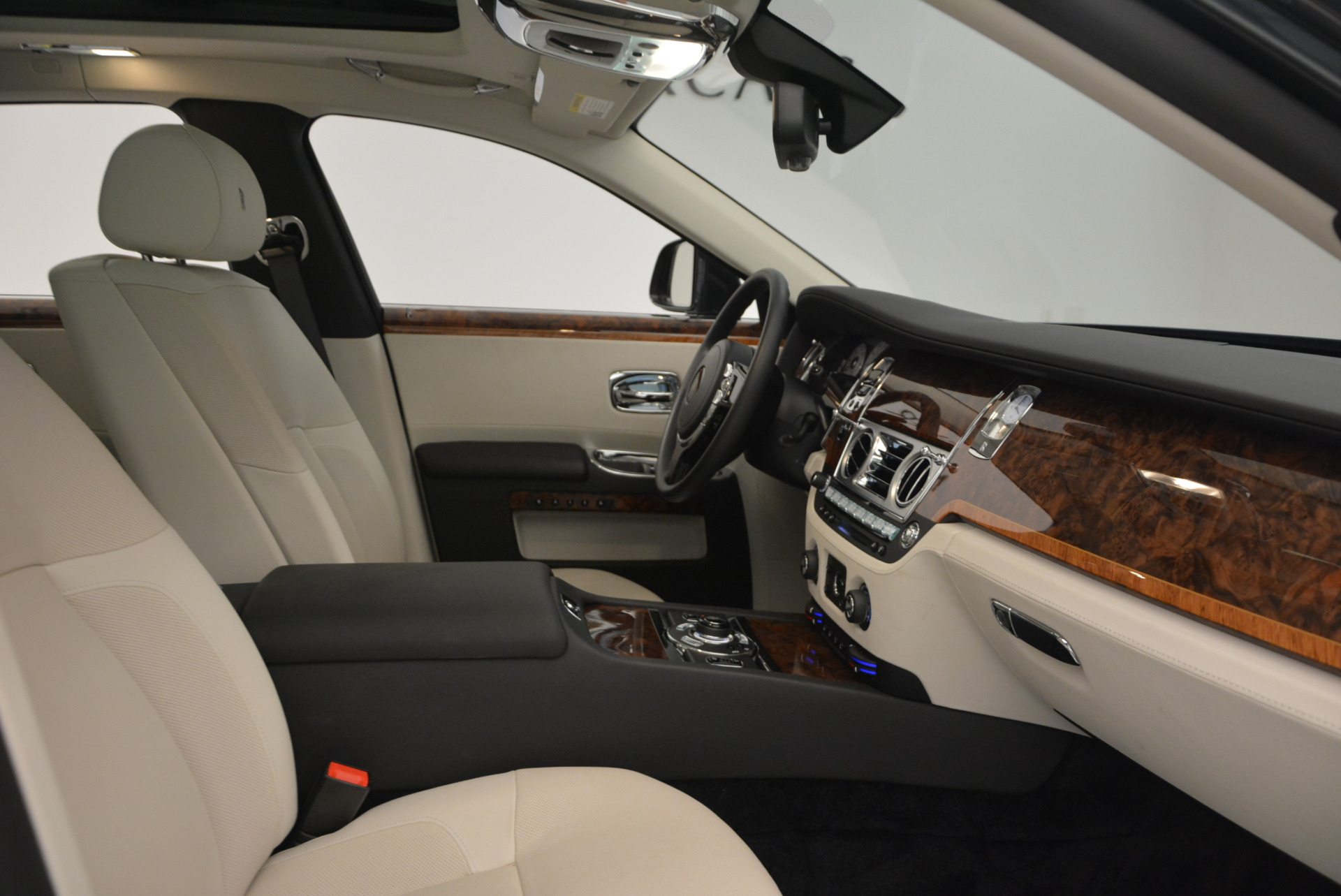 Used 2013 Rolls-Royce Ghost  For Sale In Greenwich, CT 702_p32
