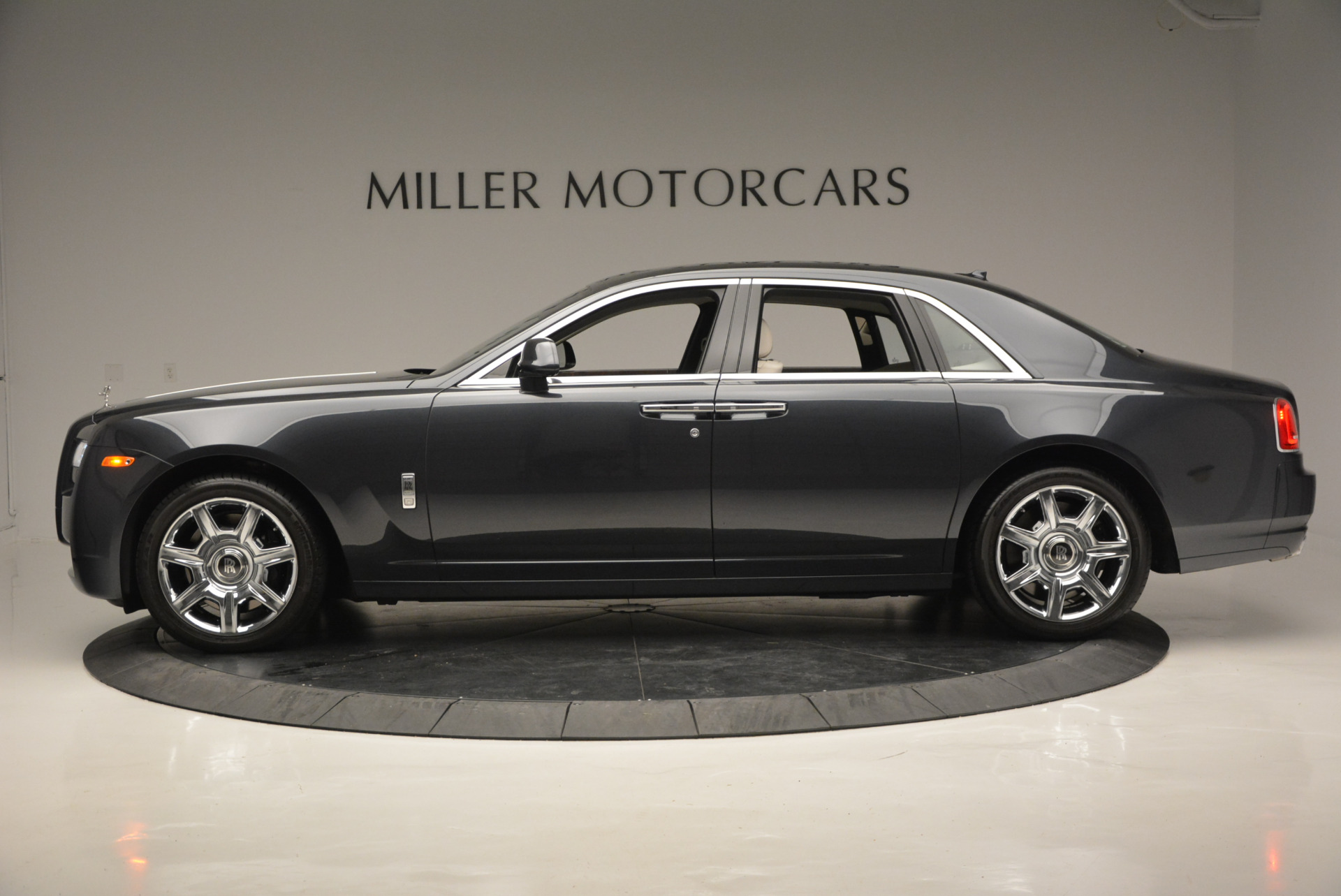 Used 2013 Rolls-Royce Ghost  For Sale In Greenwich, CT 702_p4