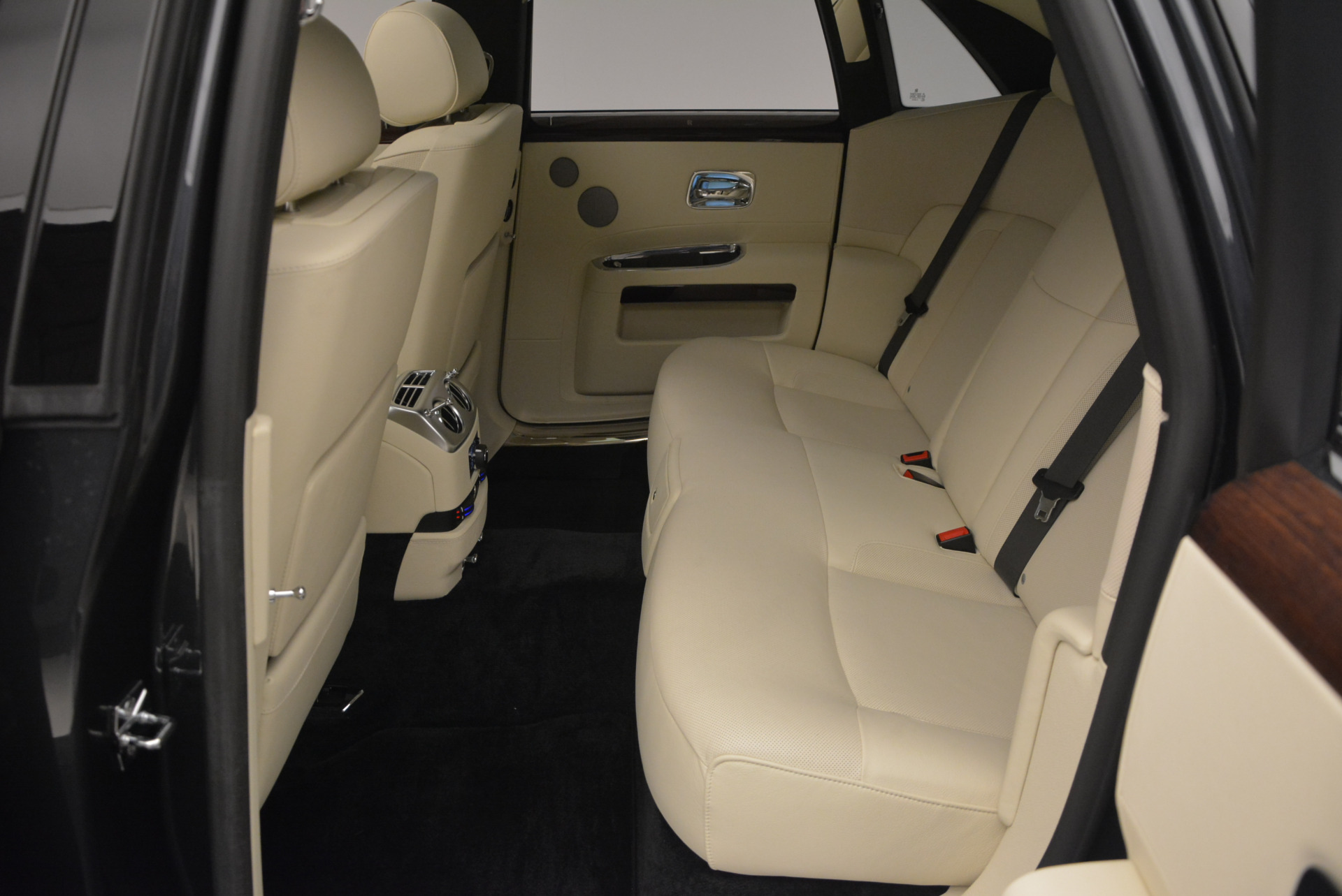 Used 2013 Rolls-Royce Ghost  For Sale In Greenwich, CT 739_p29