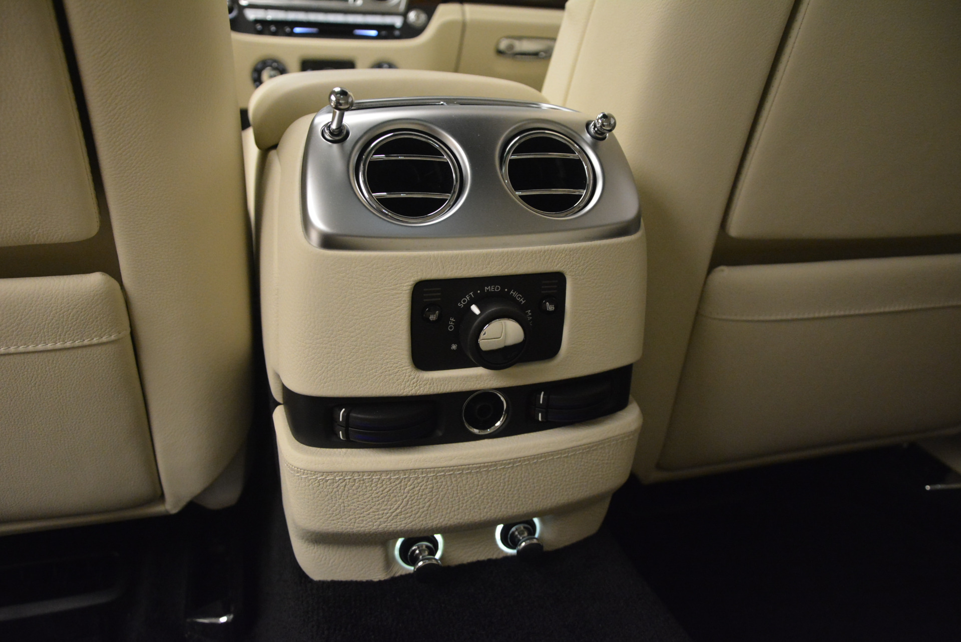 Used 2013 Rolls-Royce Ghost  For Sale In Greenwich, CT 739_p32