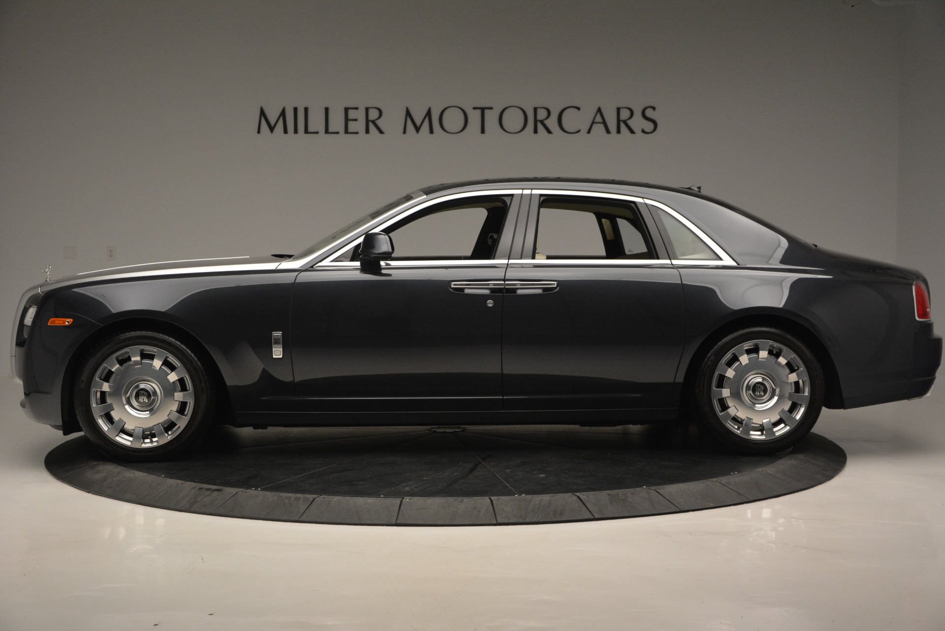 Used 2013 Rolls-Royce Ghost  For Sale In Greenwich, CT 739_p3